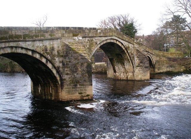 Ilkley Old Bridge - geograph.org.uk - 1132387