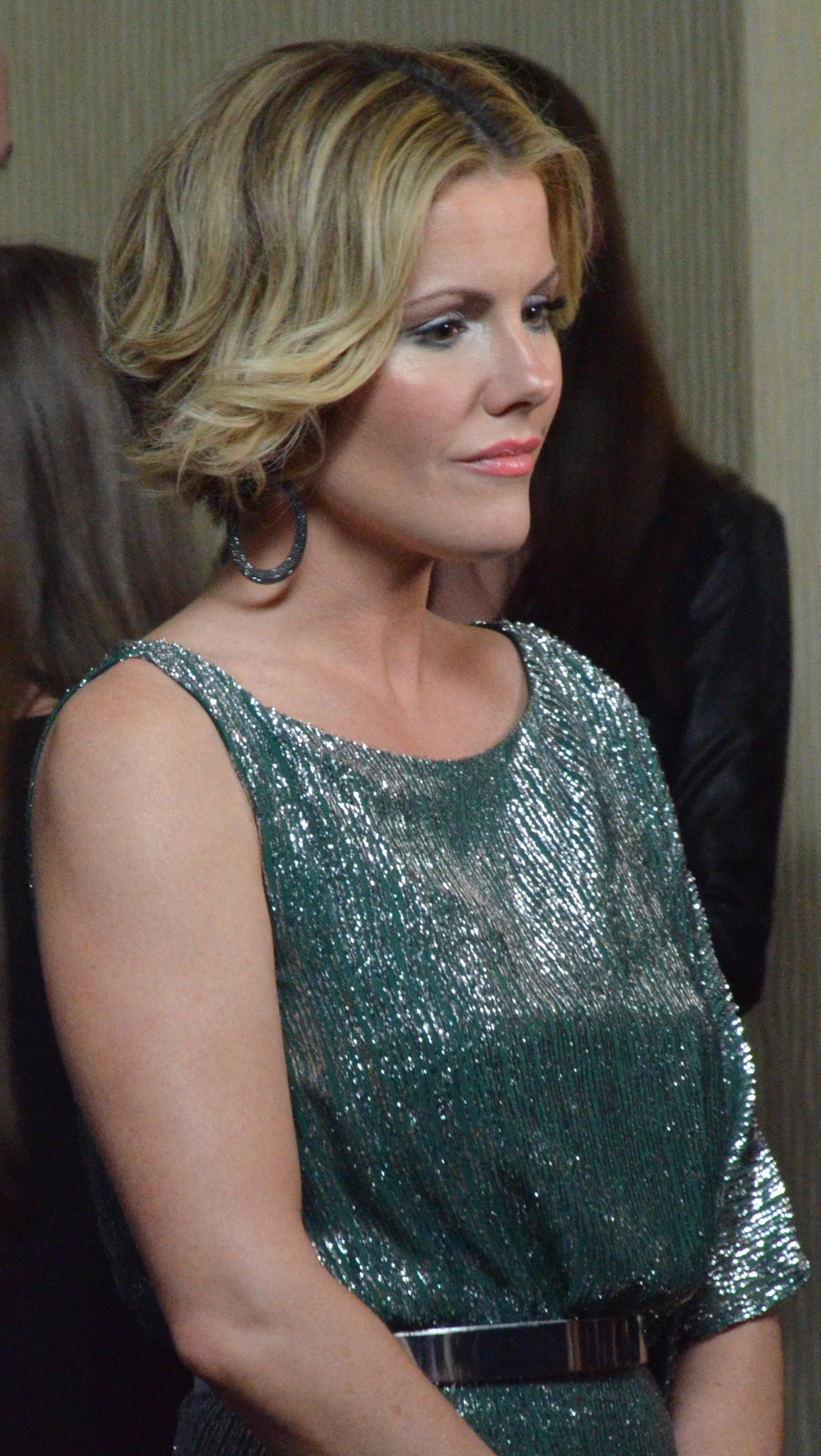 Kathleen Robertson boss movie wiki