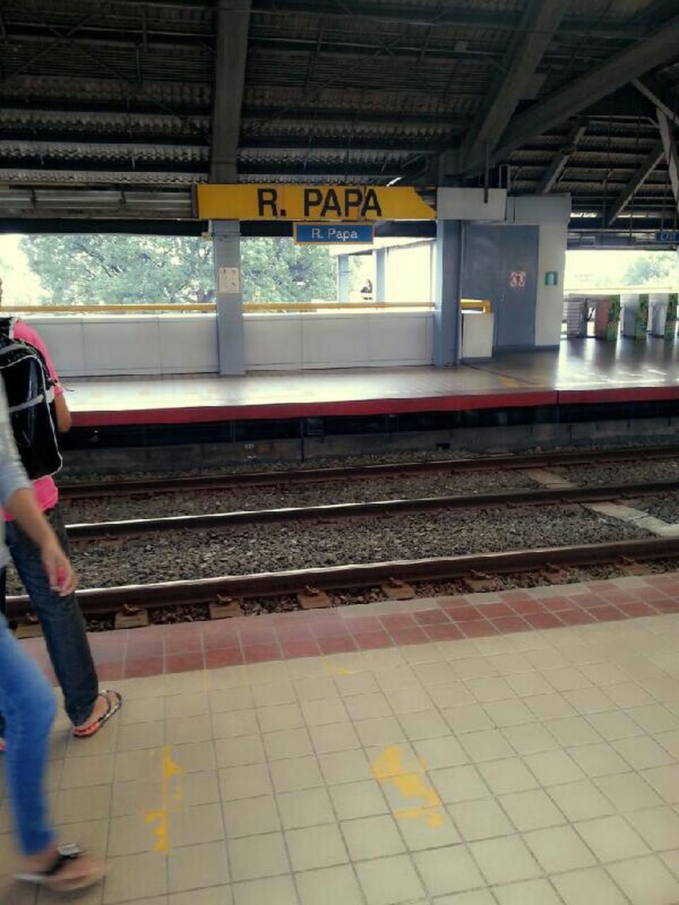 City Line Avenue >> R. Papa LRT station - Wikipedia