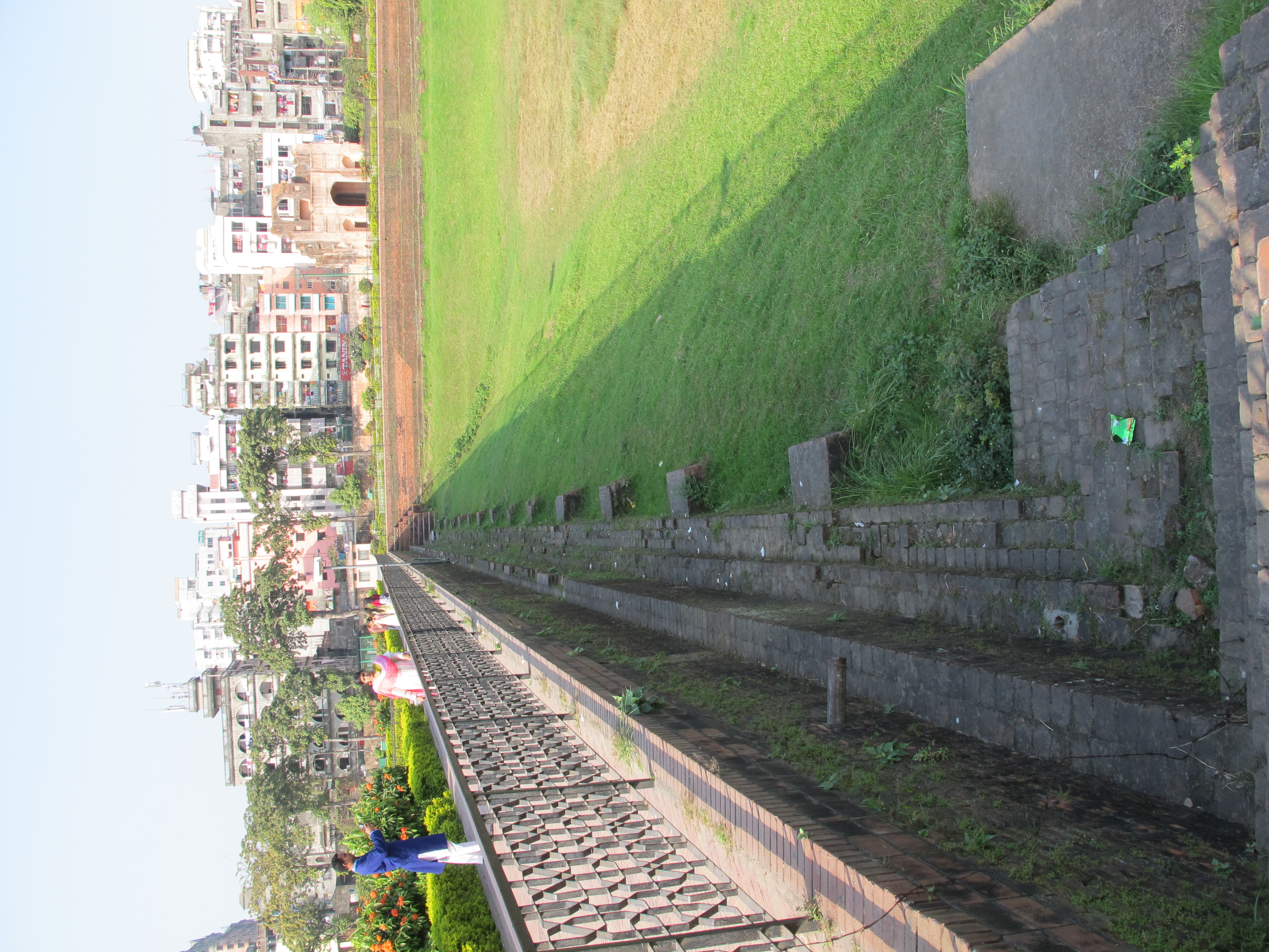 File:Lalabagh Fort, dry pond 02 jpg - Wikimedia Commons