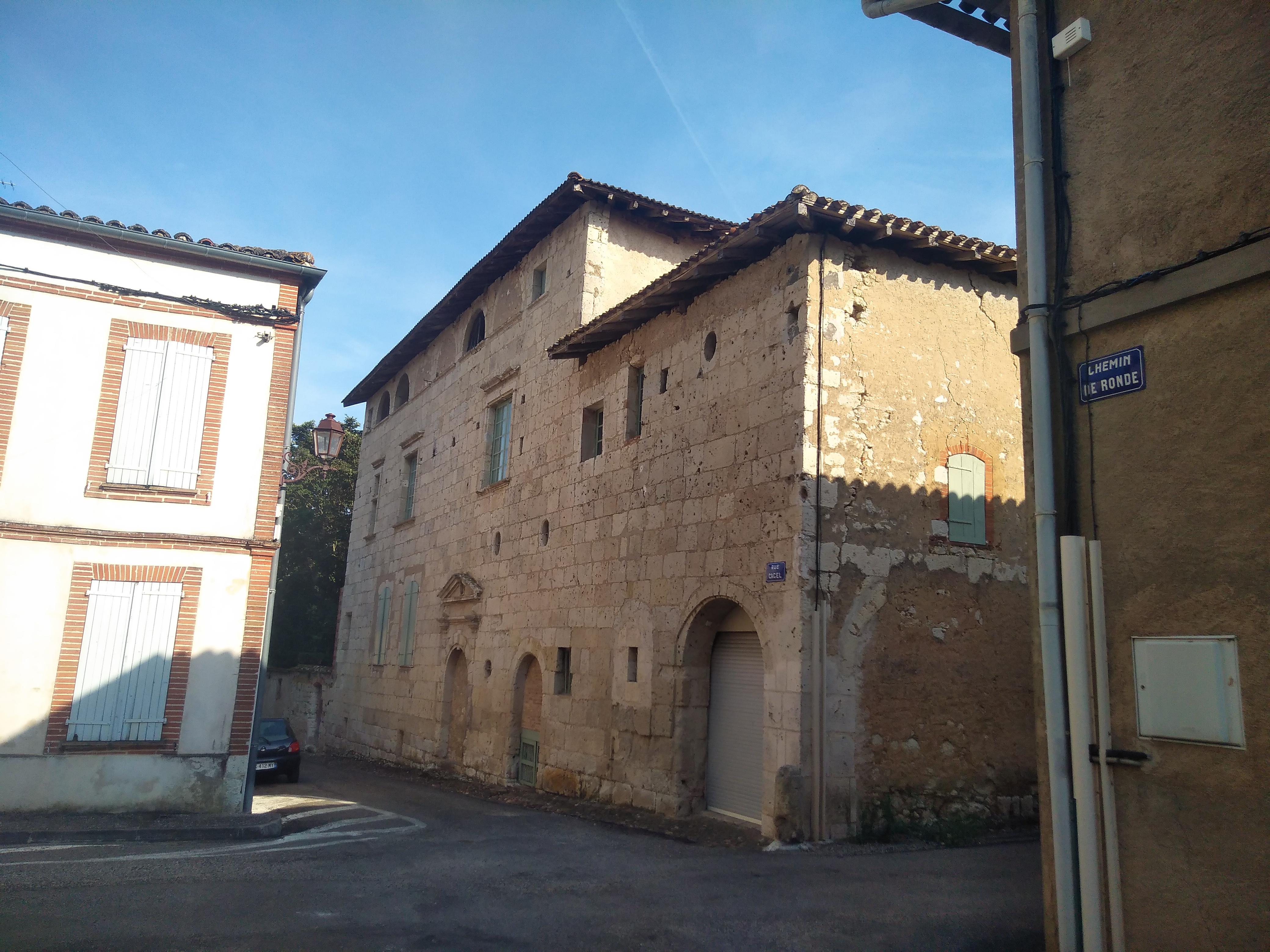File:Larrazet - maison ancienne 03.jpg - Wikimedia Commons