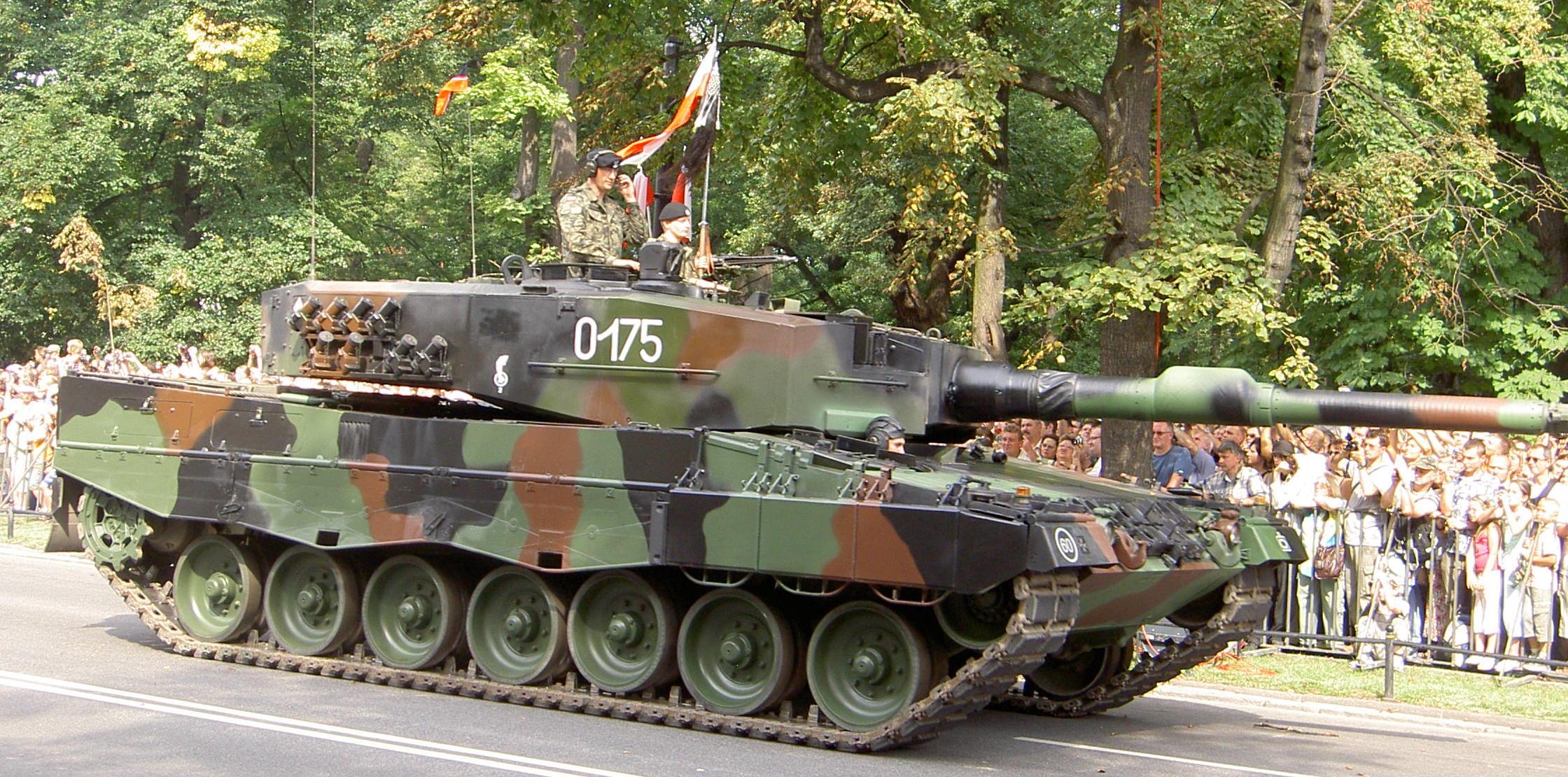 file leopard 2 tank jpg wikipedia. Black Bedroom Furniture Sets. Home Design Ideas