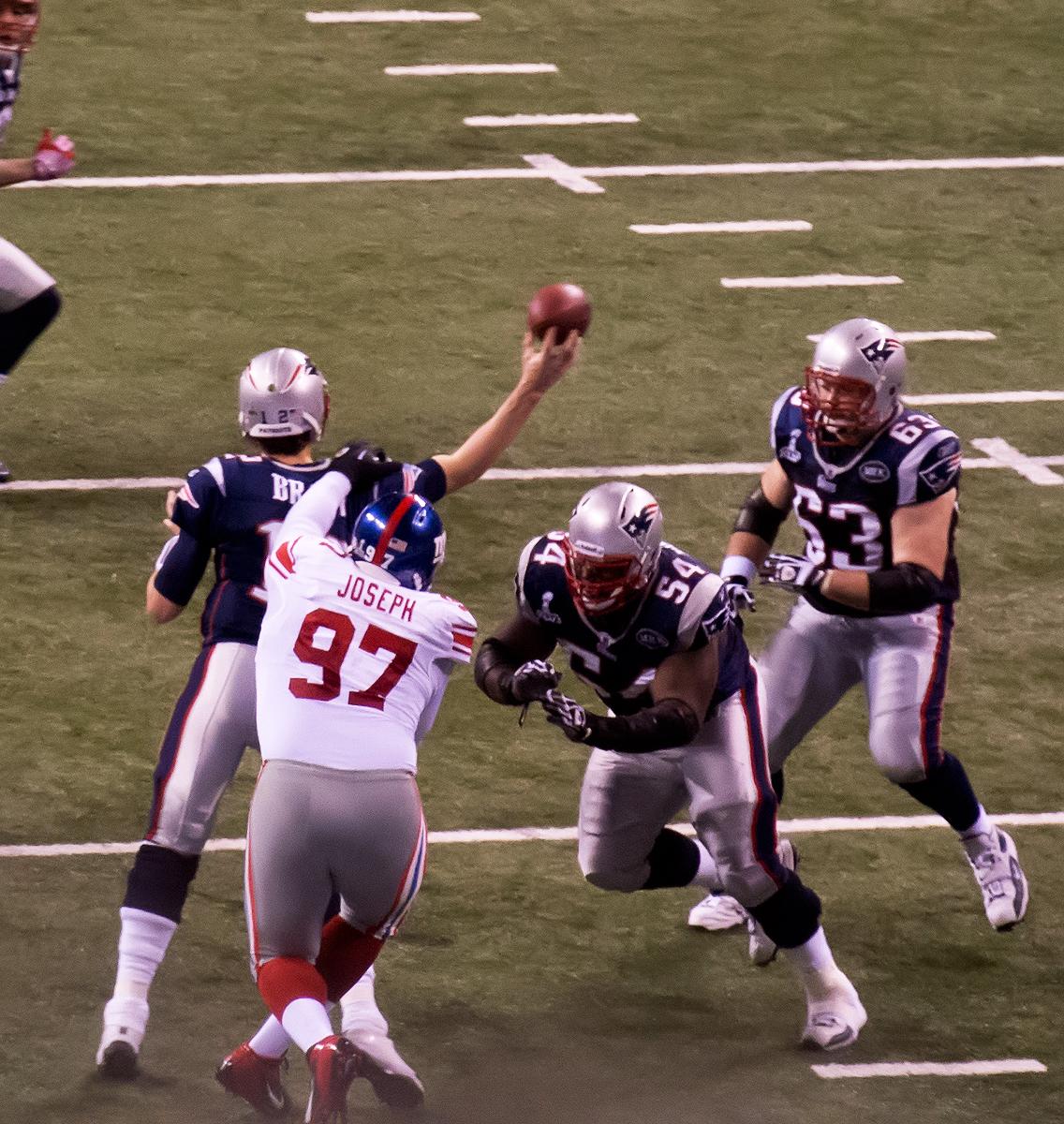 File Linval Joseph vs Tom Brady Wikimedia mons