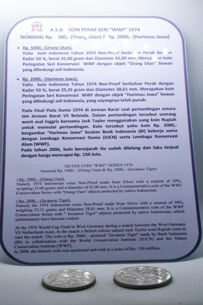 File:MUS A.5.8. Koin perak seri WWF 1974.jpg