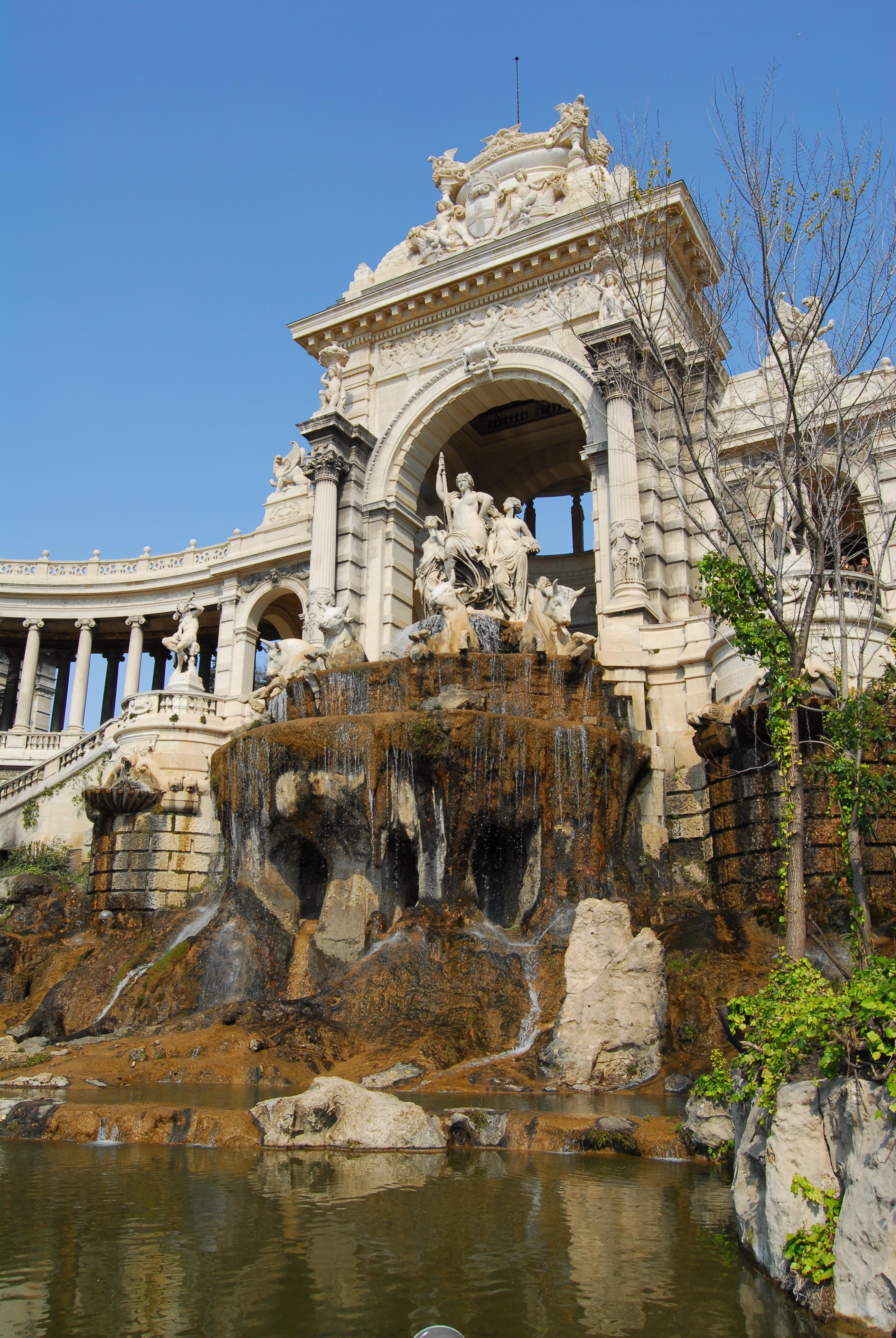 Marseille Palais Longchamp schraeg JD25032007.jpg