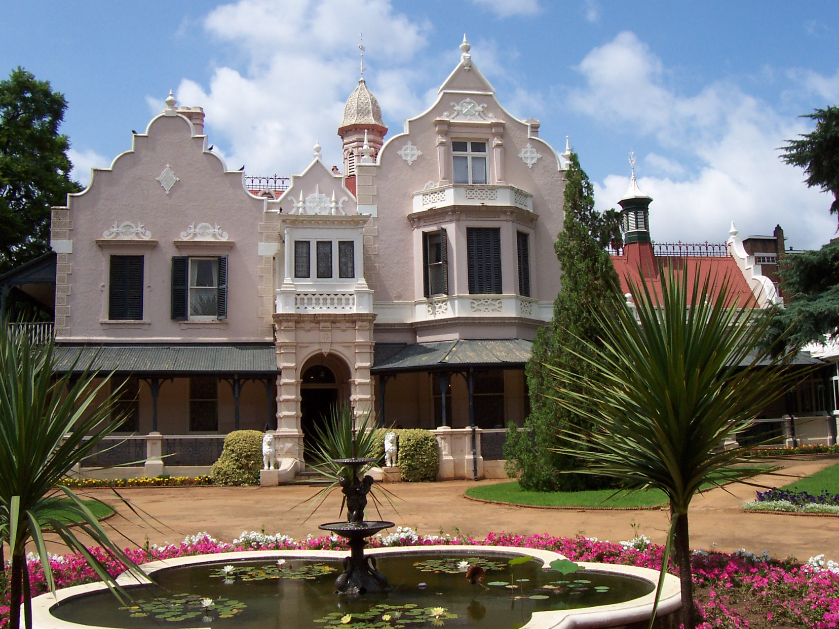 File melrose house wikimedia commons for Sa old house music