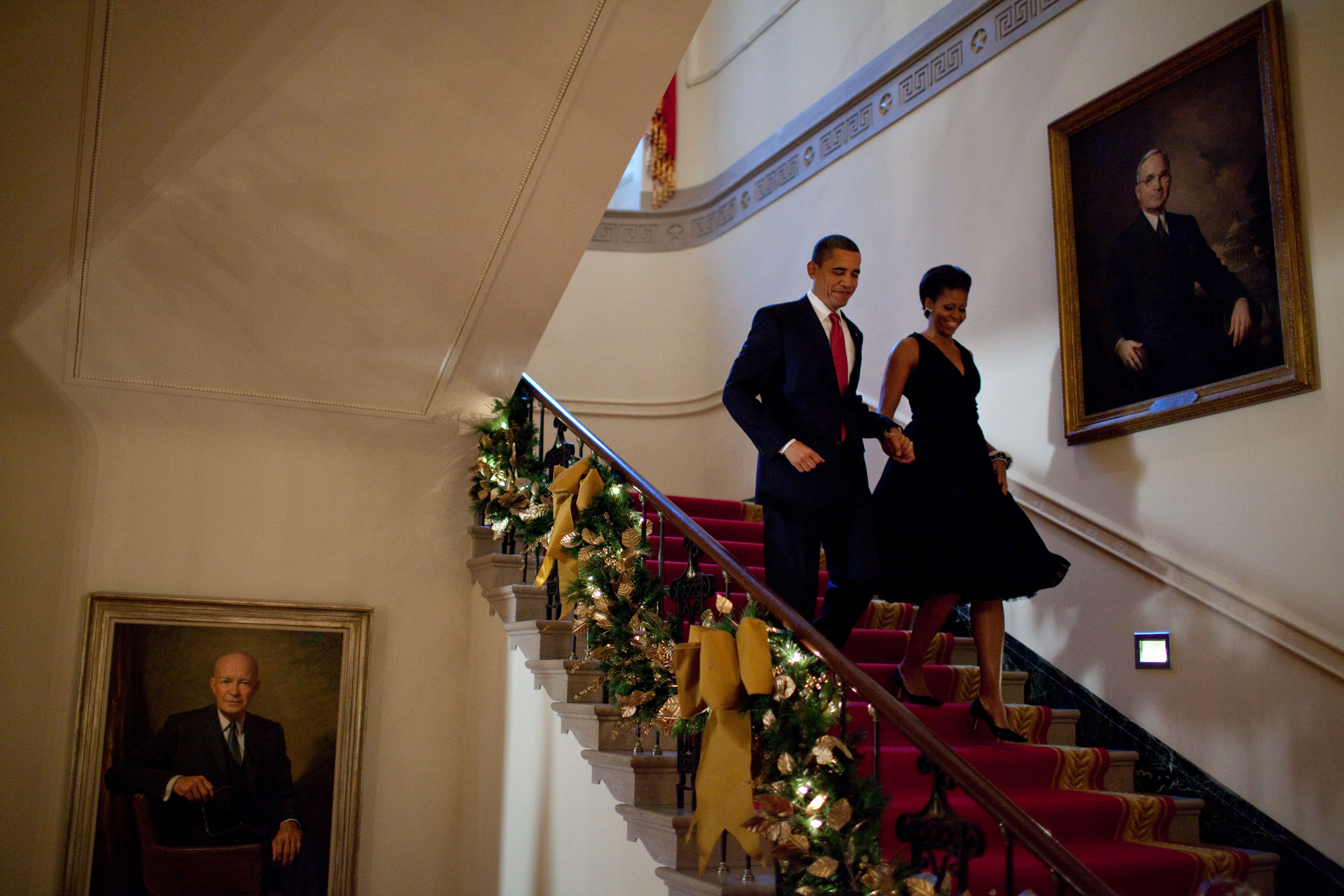 When Is The White House Decorated For Christmas