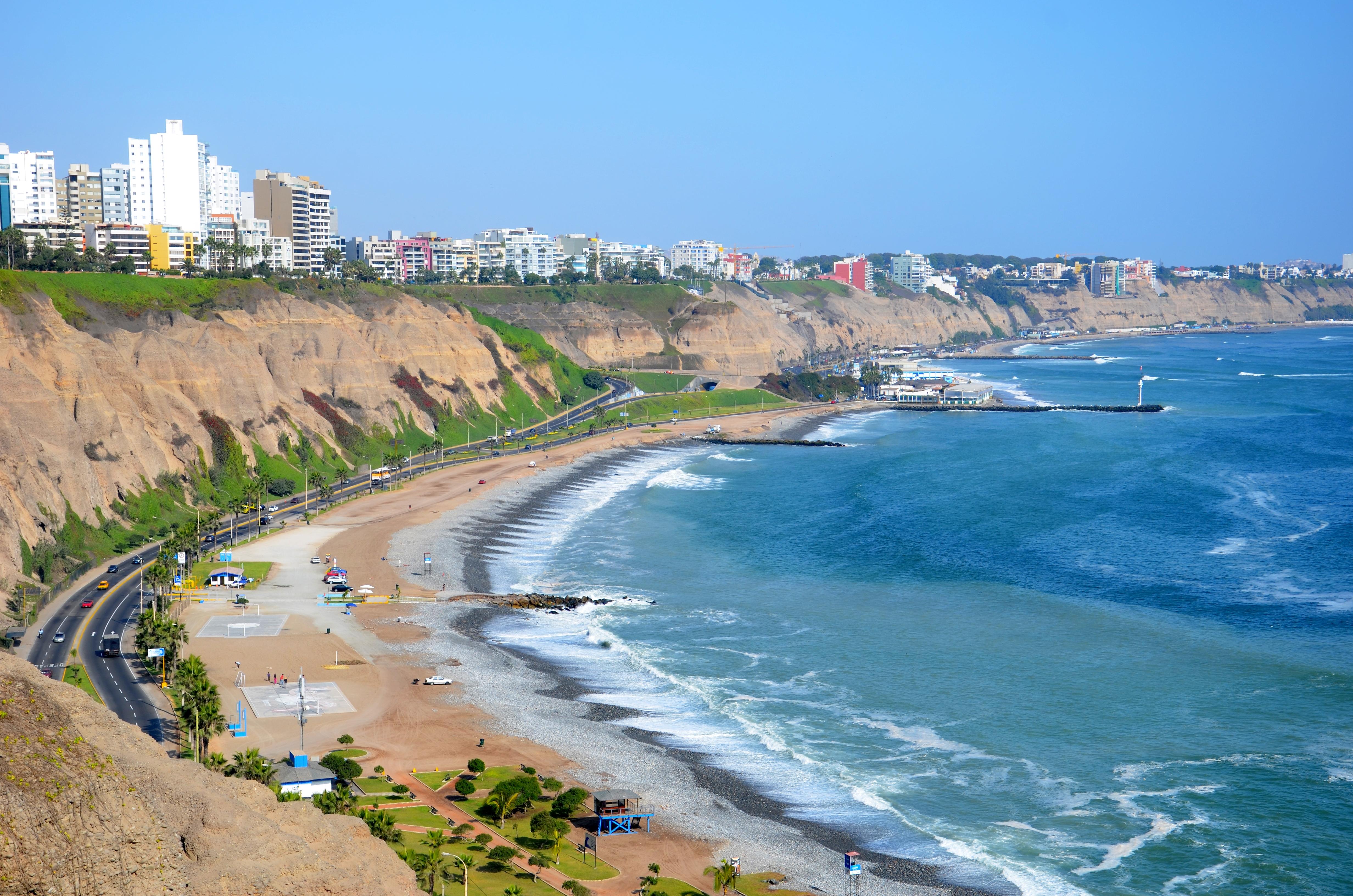 file miraflores costa verde skyline  lima  peru  jpg