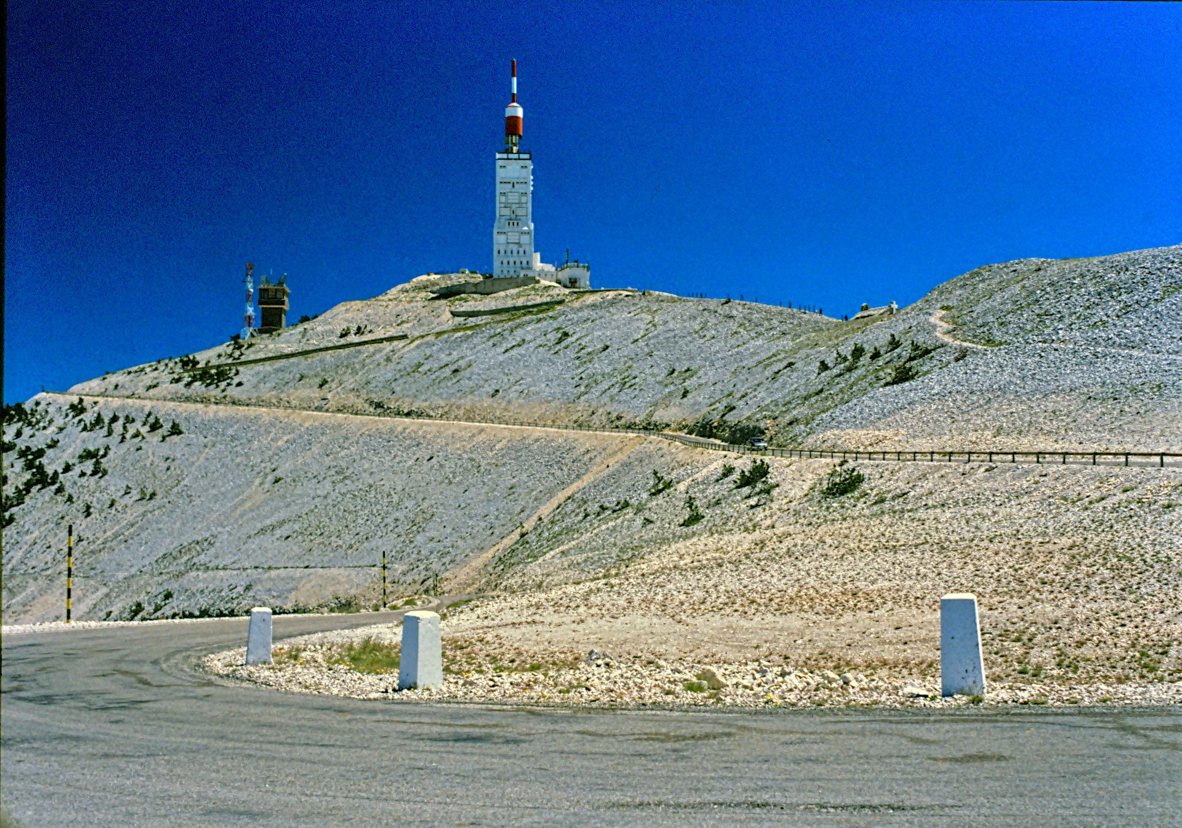 Fichier:Mont ventoux summit.jpg — Wikipédia