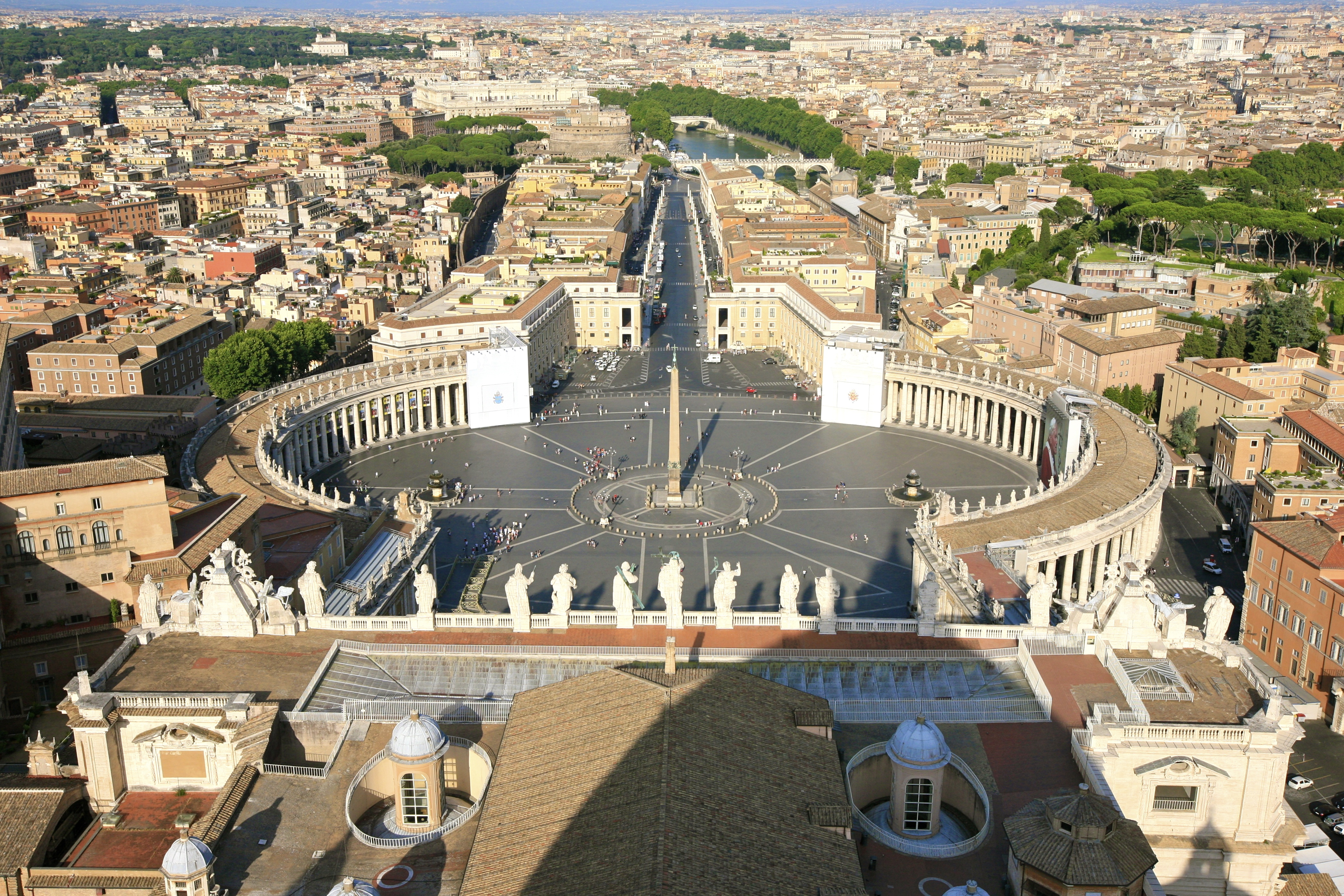 File:Overlooking the Vatican City (5940864021).jpg - Wikimedia Commons
