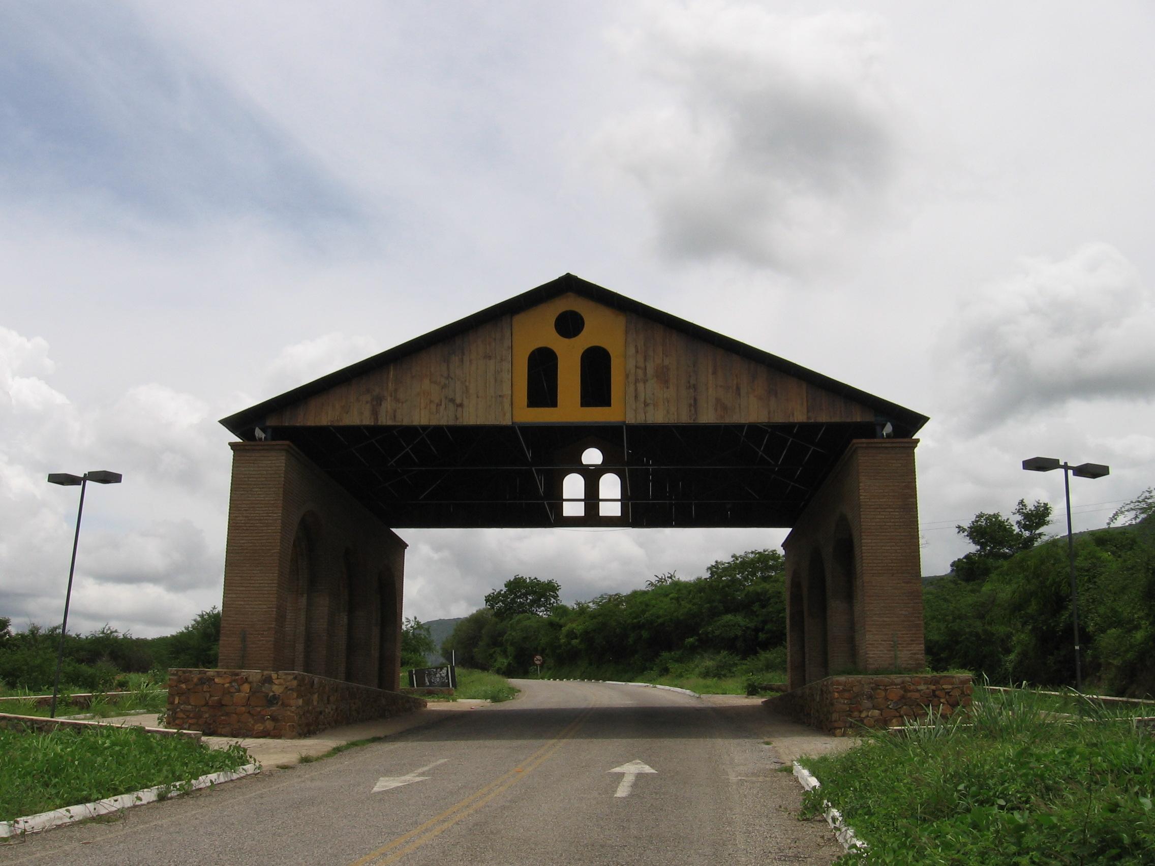 File p rtico triunfo pe sa da jpg wikimedia commons for Porticos sa