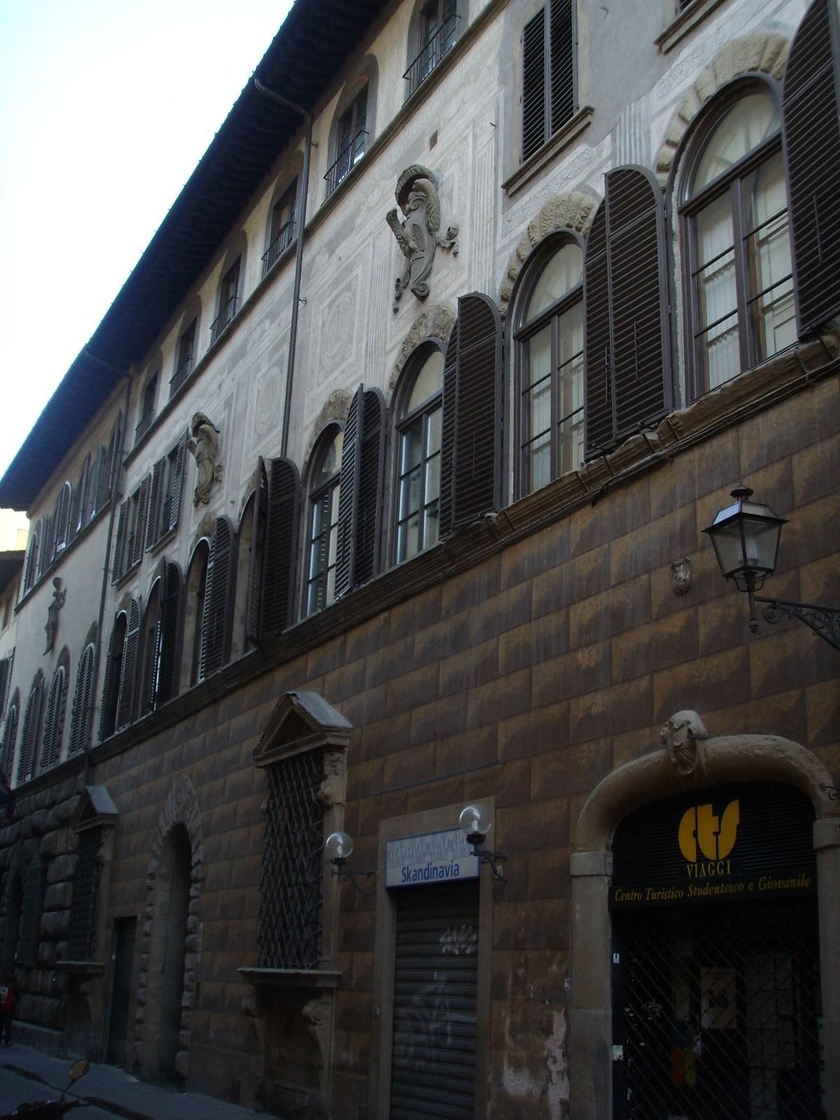 Palazzo_Barbolani_di_Montauto_01.JPG