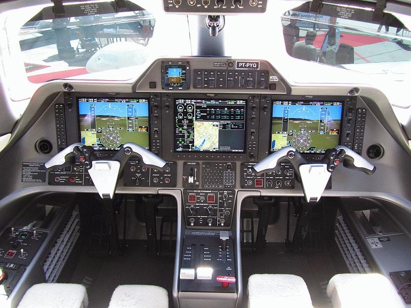 Phenom 100 Cockpit | Aircraft | Pinterest