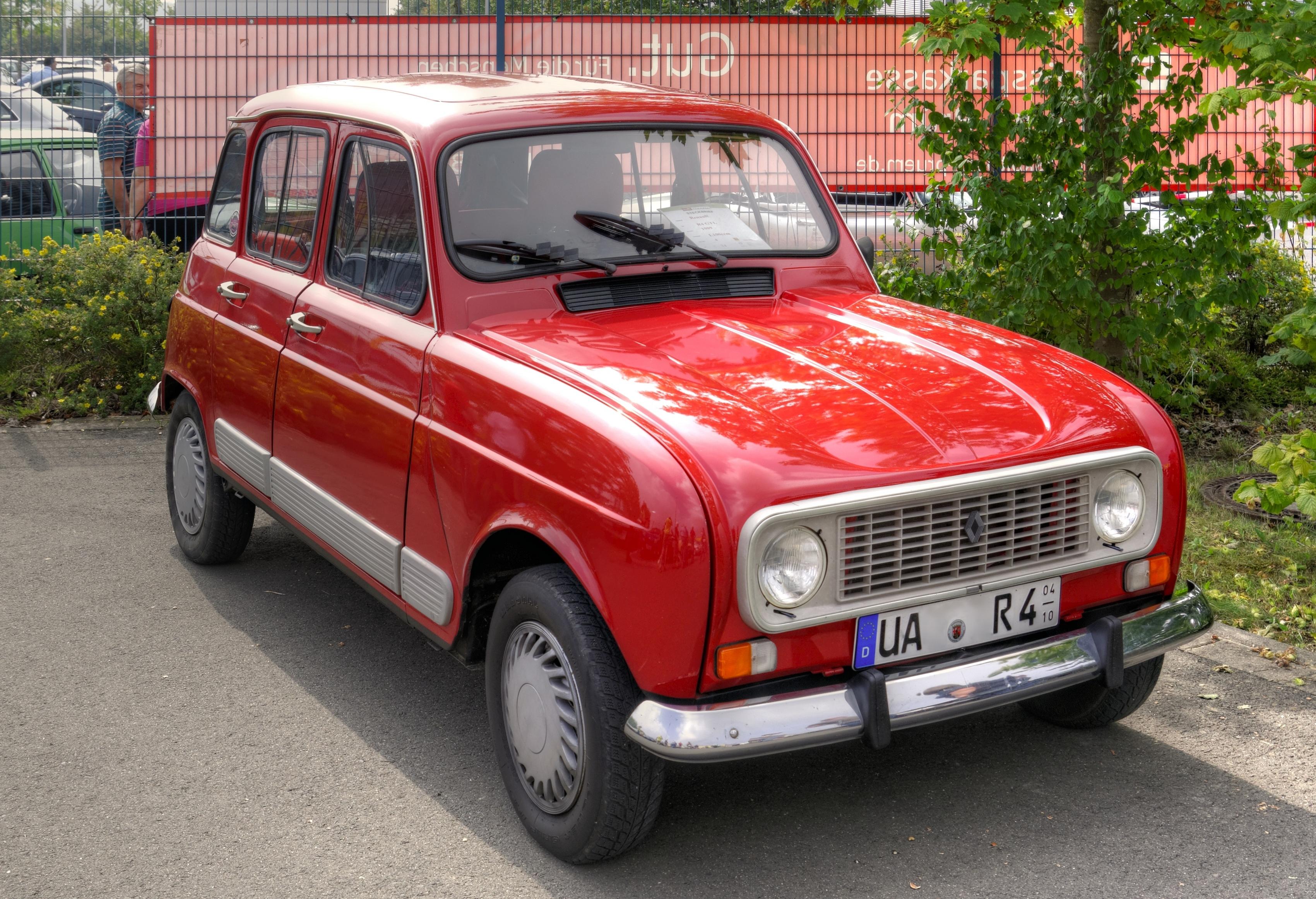�r4_File:RenaultR42014-09-0713-09-59.jpg-WikimediaCommons