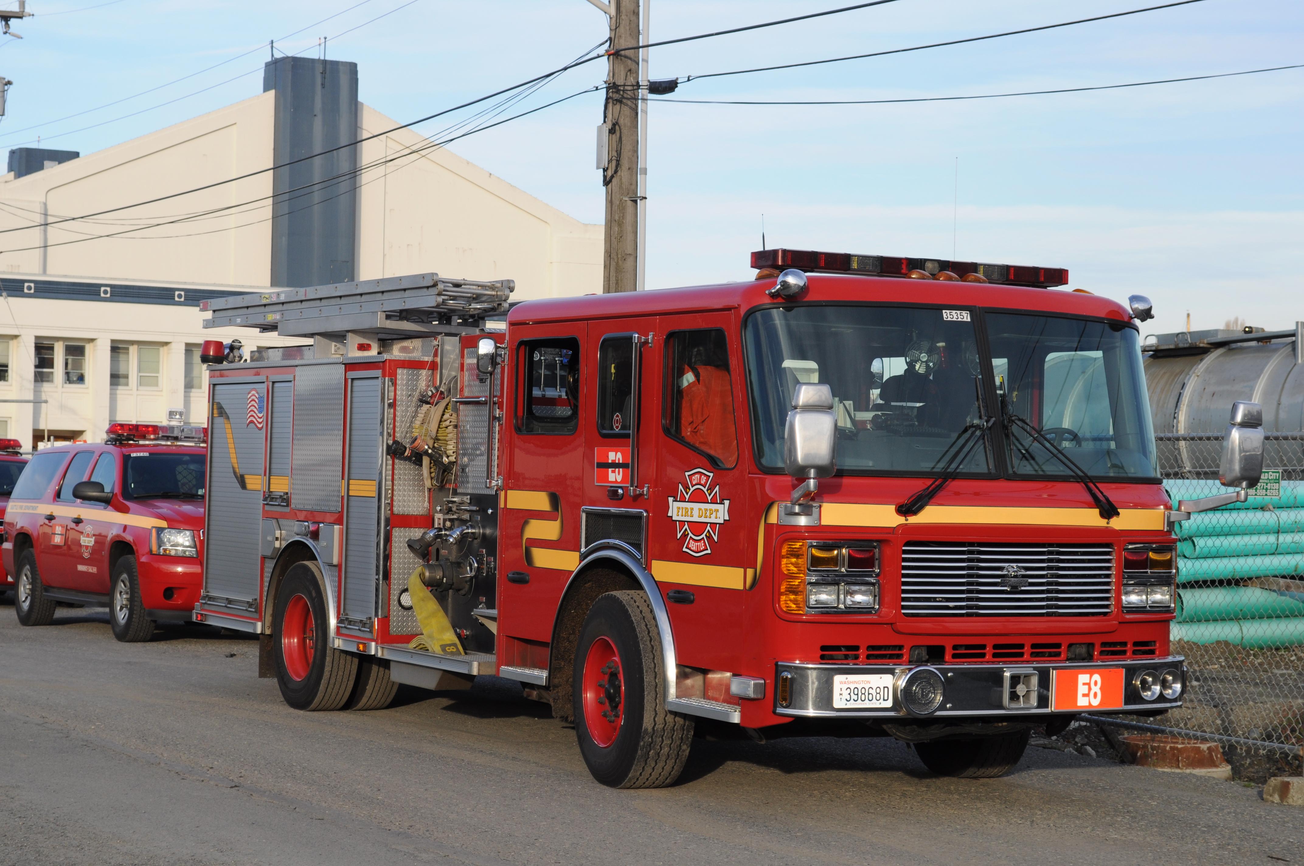 File:Seattle Fire Department - Engine 8 jpg - Wikimedia Commons