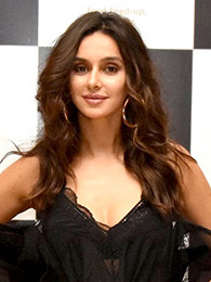 Shibani Dandekar grace the launch of Arth restaurant (17) (cropped).jpg