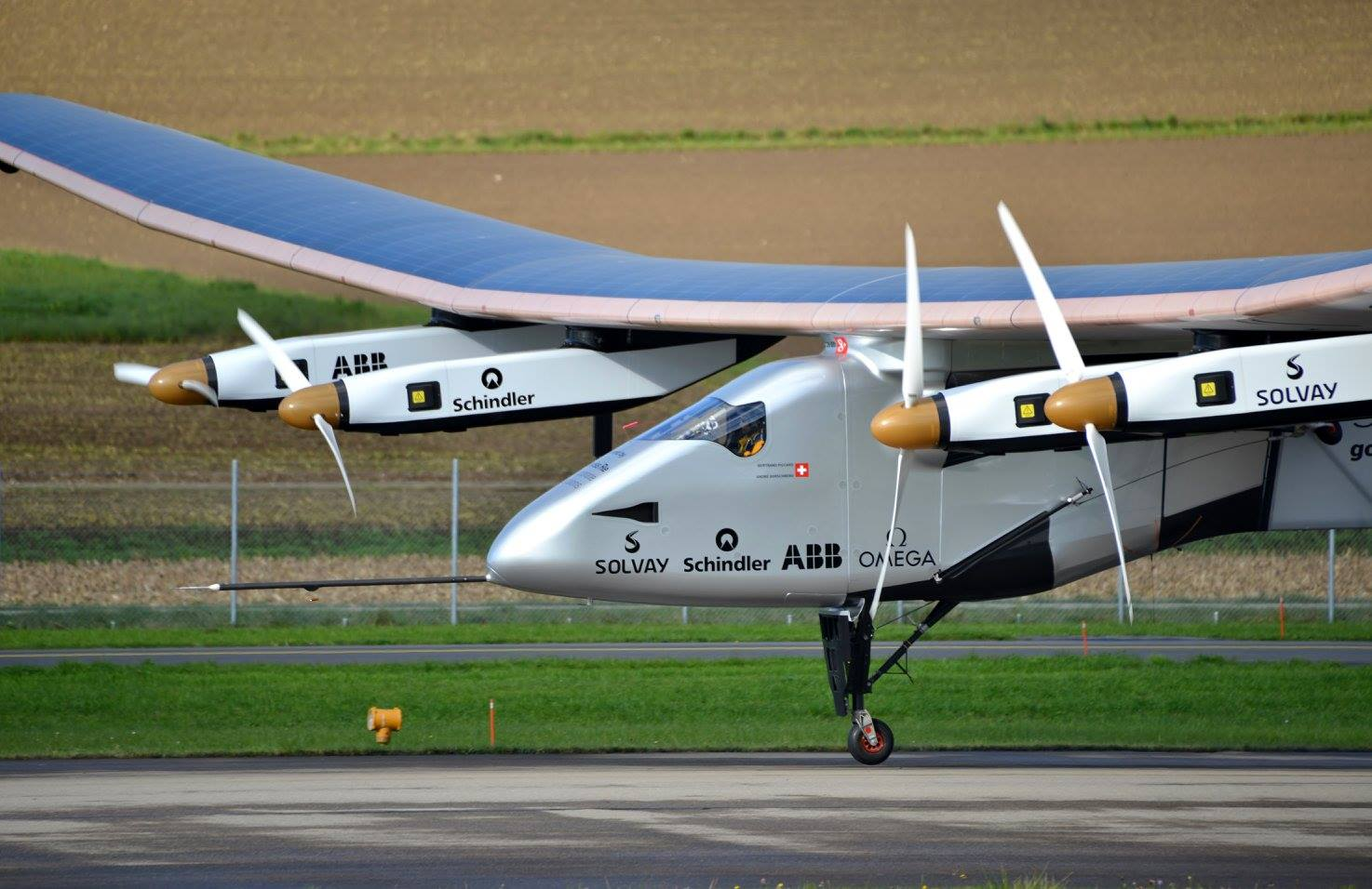 Solar Impulse SI2 pilote Bertrand Piccard Payerne November 2014.jpg