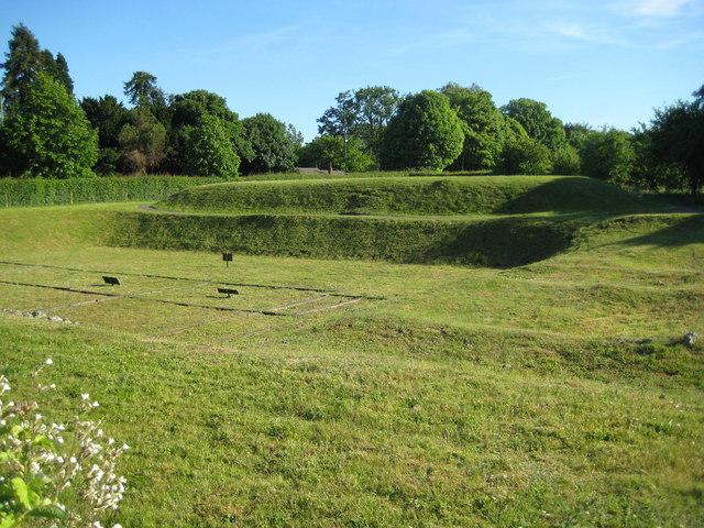 St Albans, Verulamium Roman Theatre - geograph.org.uk - 1362740