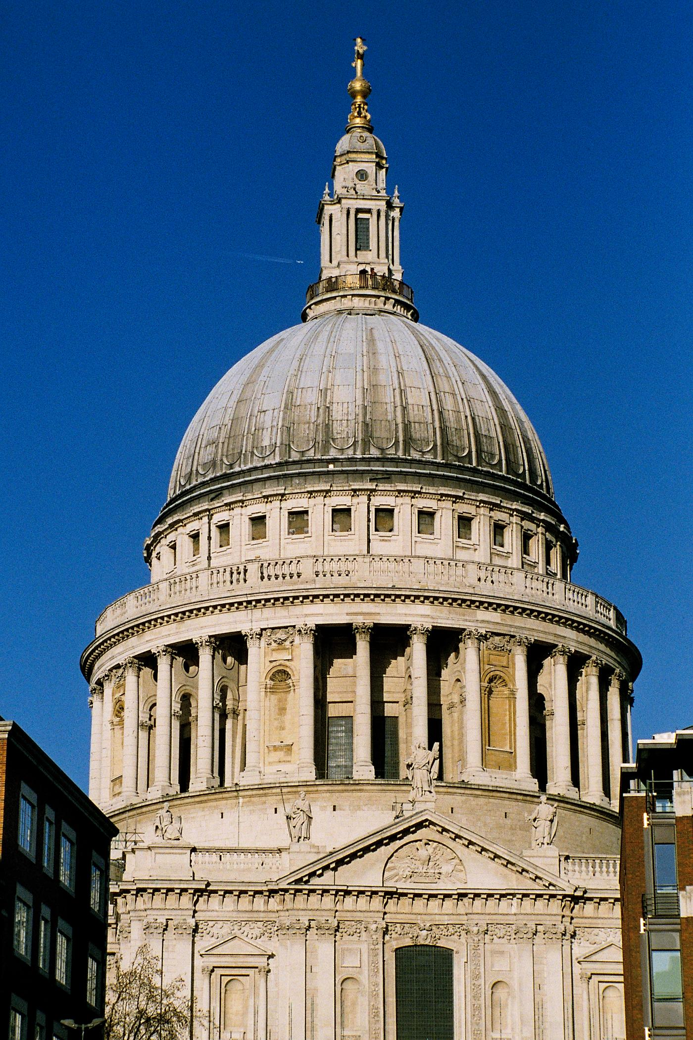 File:St Paul dome.jpeg - Wikimedia Commons