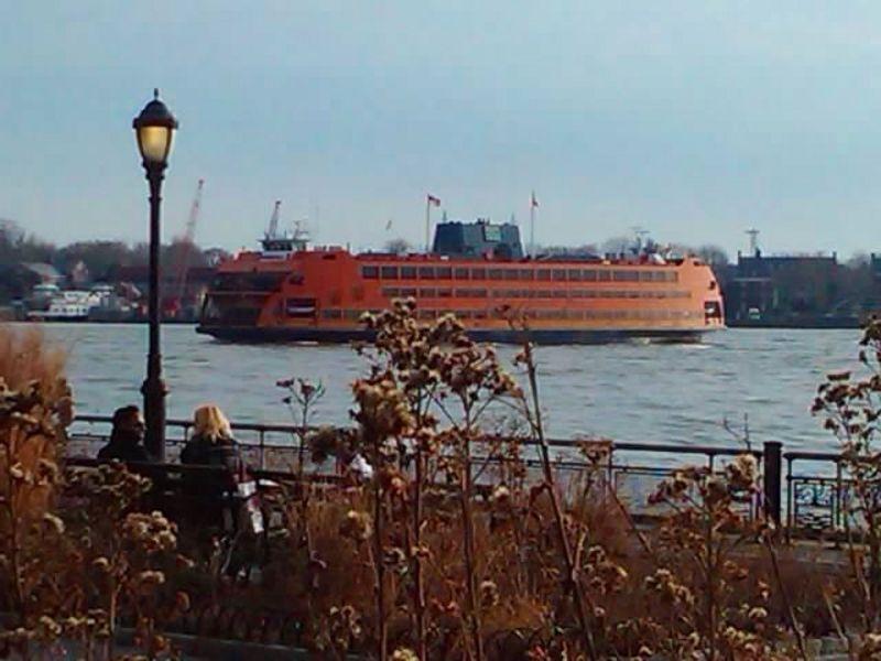 Staten Island Ferry-Battery Park-2012.jpg