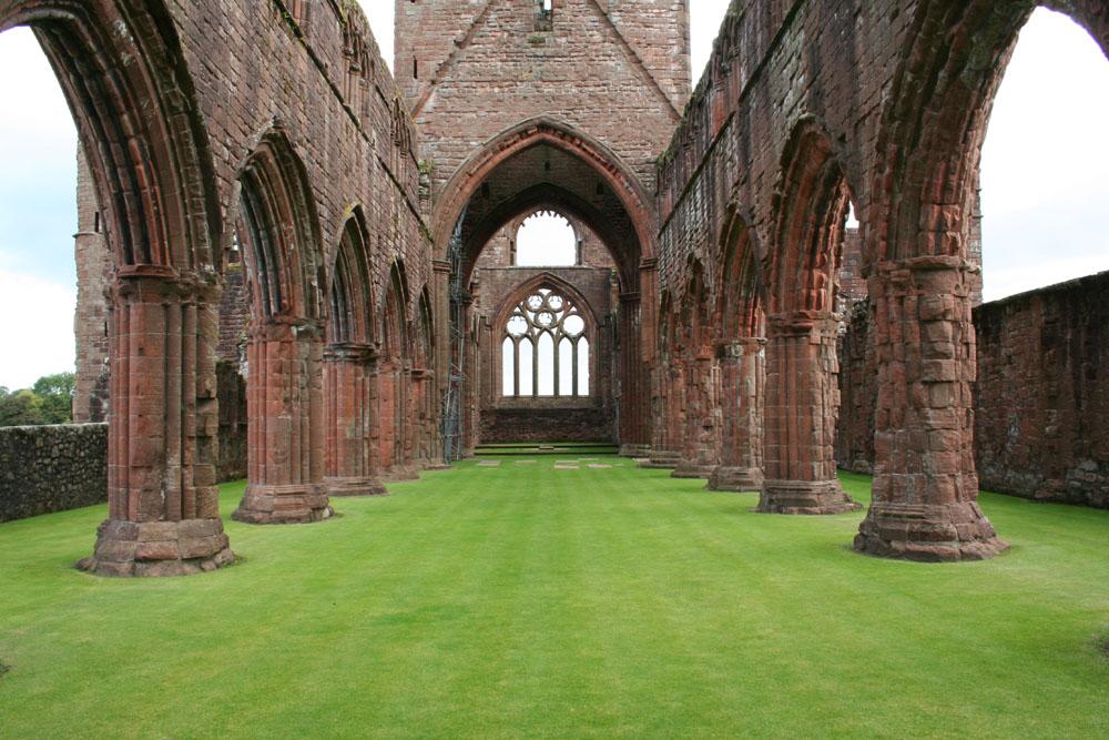 sweetheart abbey1.jpg
