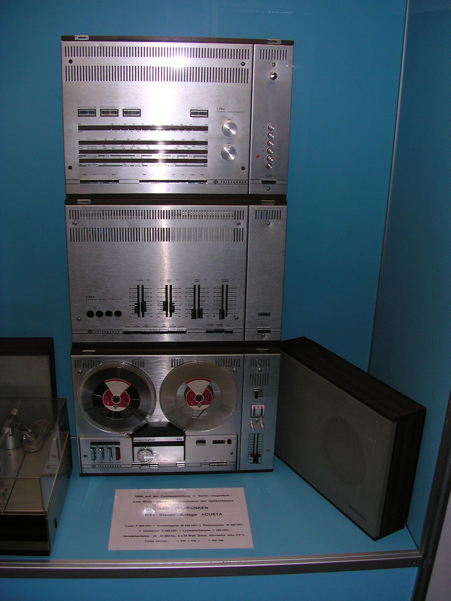 file telefunken hifi anlage wikimedia commons. Black Bedroom Furniture Sets. Home Design Ideas