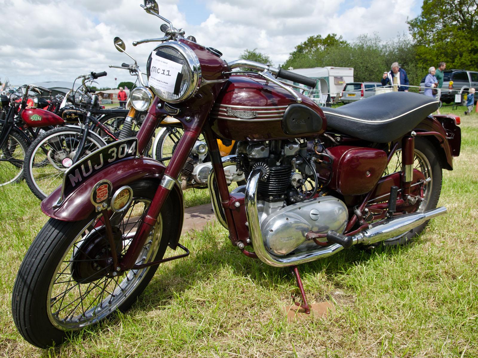 Triumph_Speed_twin_500cc_(1955)_-_913879
