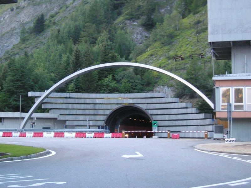 Entrada al túnel del Mont Blanc. Lado italiano.
