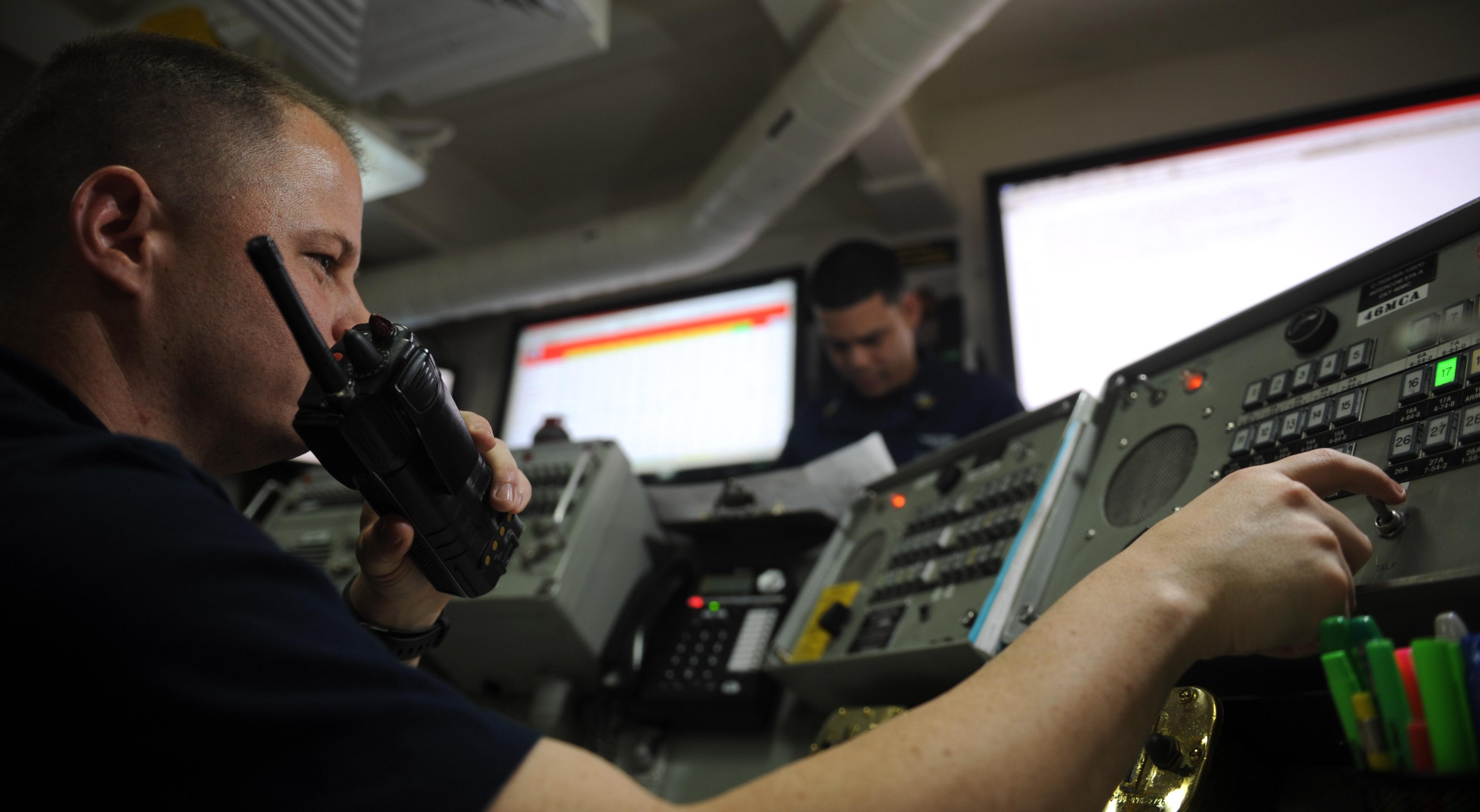 file us navy 111026 n oy799 028 aviation ordnanceman 1st class john rh commons wikimedia org