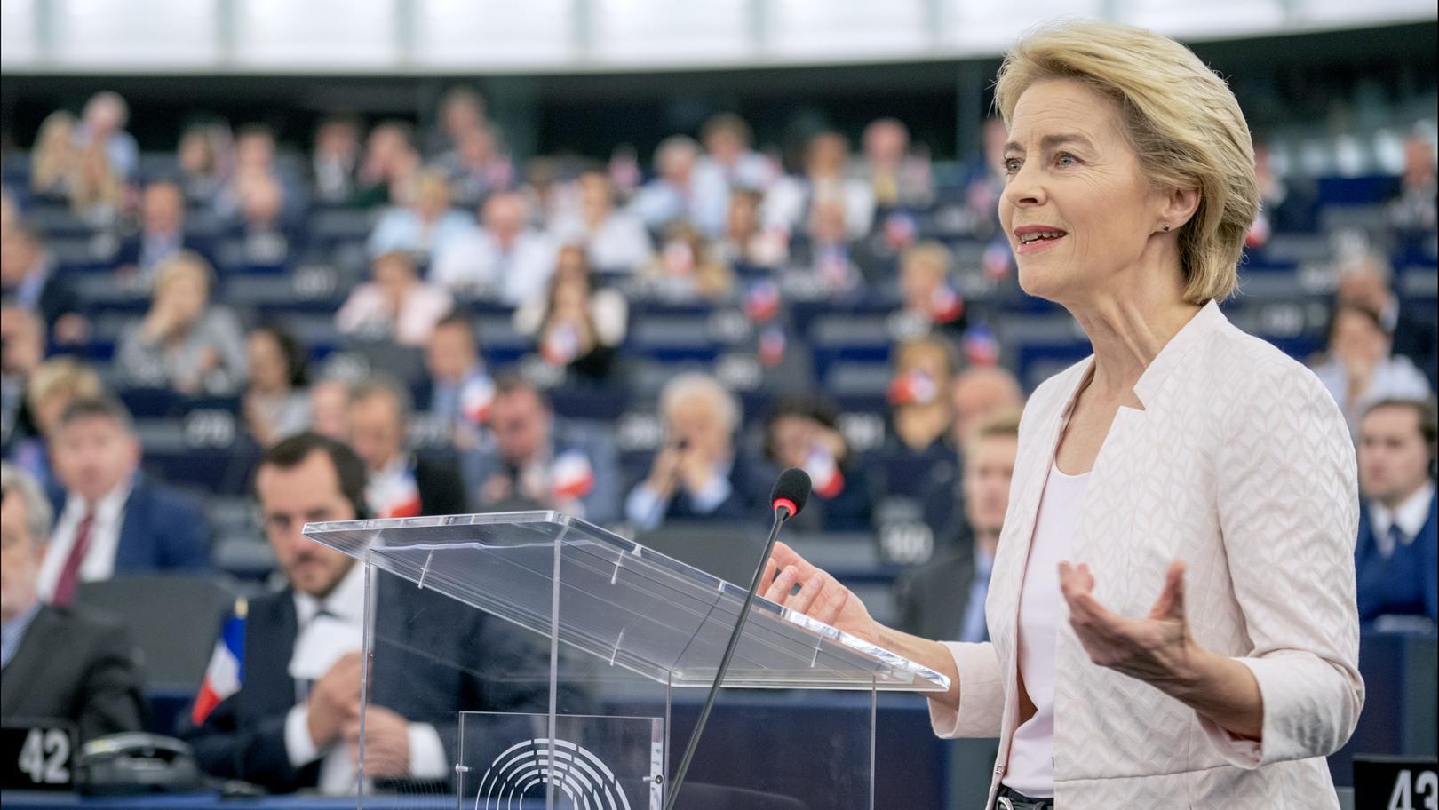 File:Ursula von der Leyen presents her vision to MEPs.jpg - Wikimedia  Commons