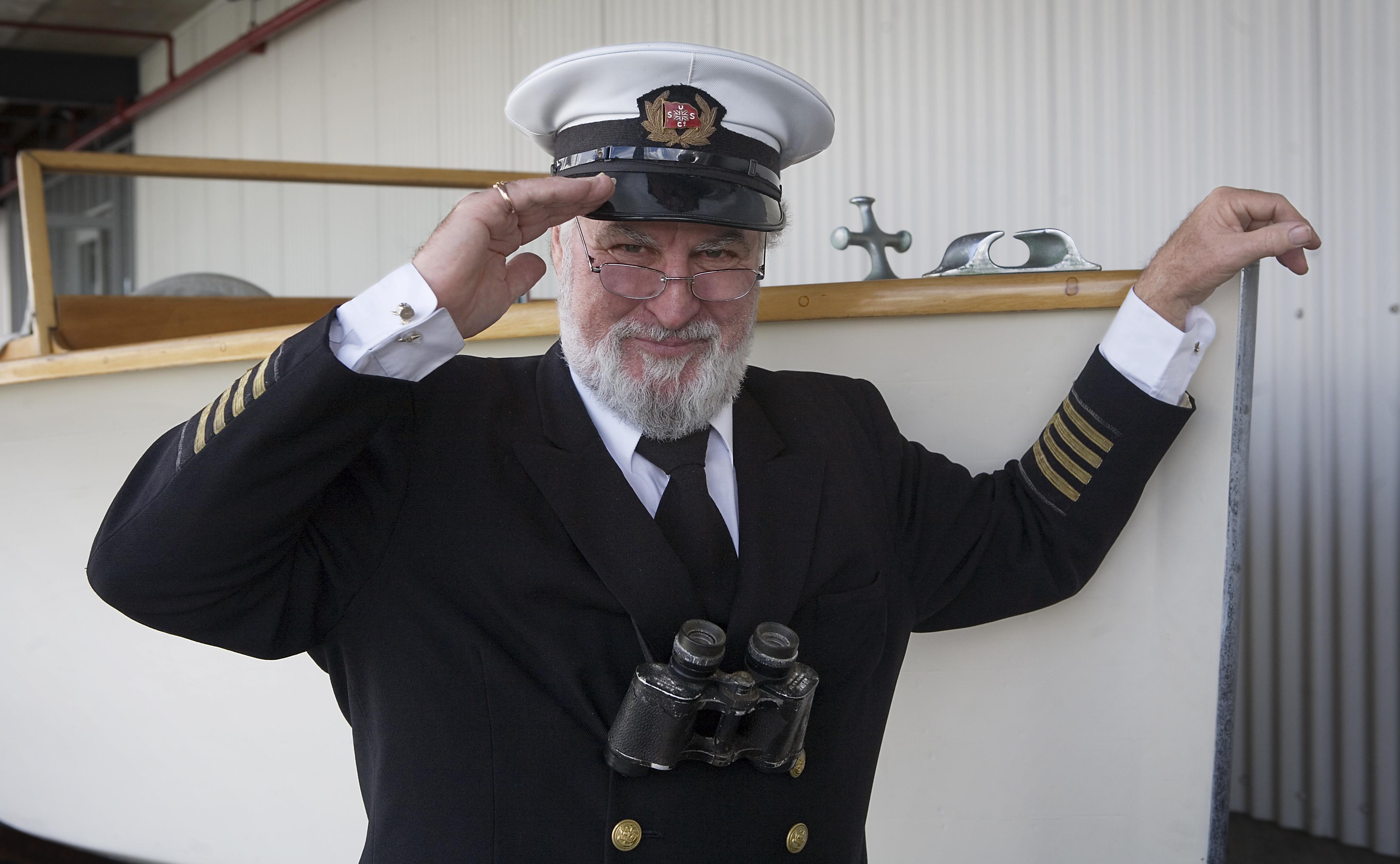 File Veteran seaman in...