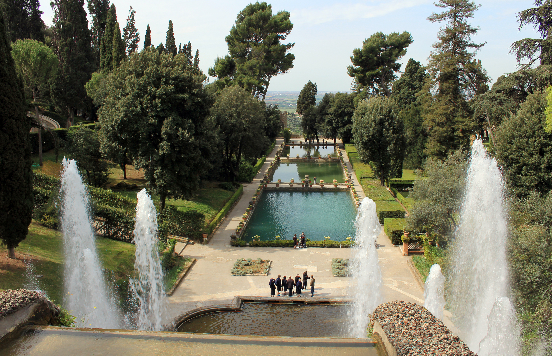 Villa D Est Luxury Garden Apartments