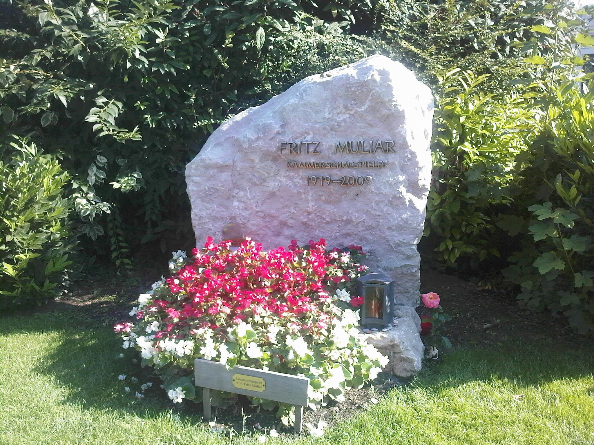 Grab von Fritz Muliar