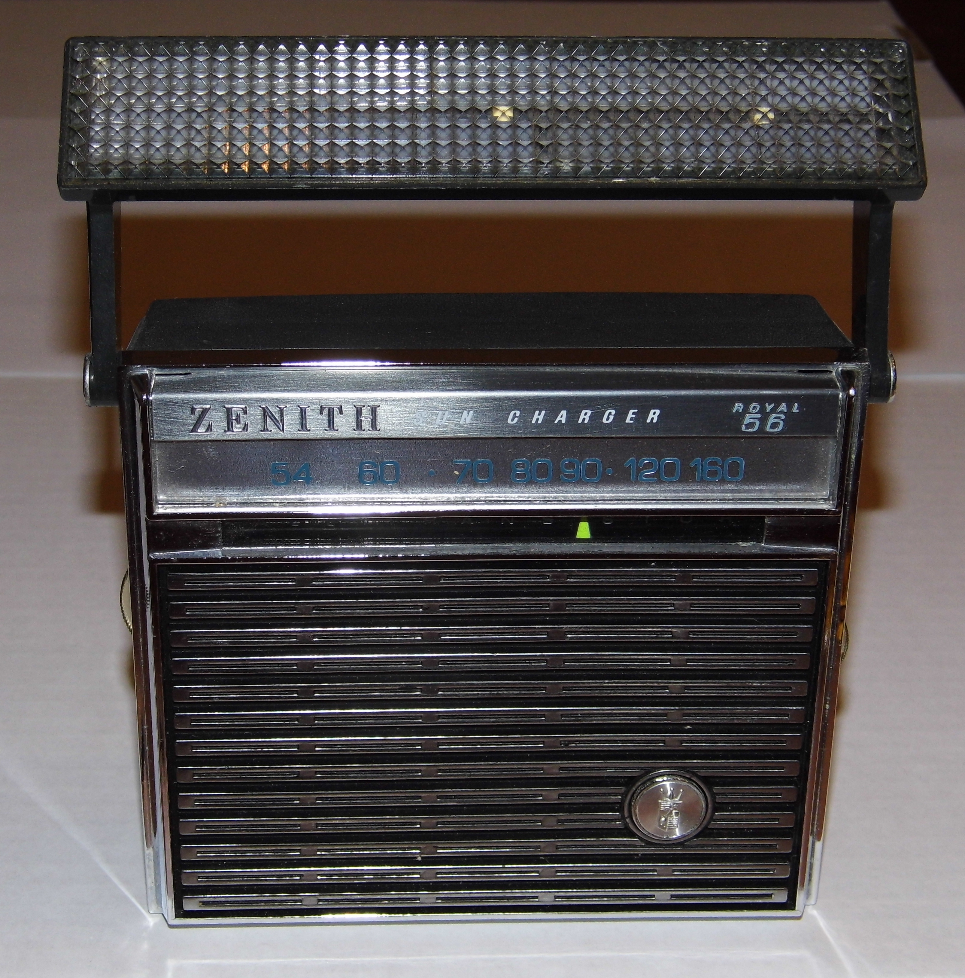 File Zenith Royal 56 Quot Sun Charger Quot Transistor Radio Black