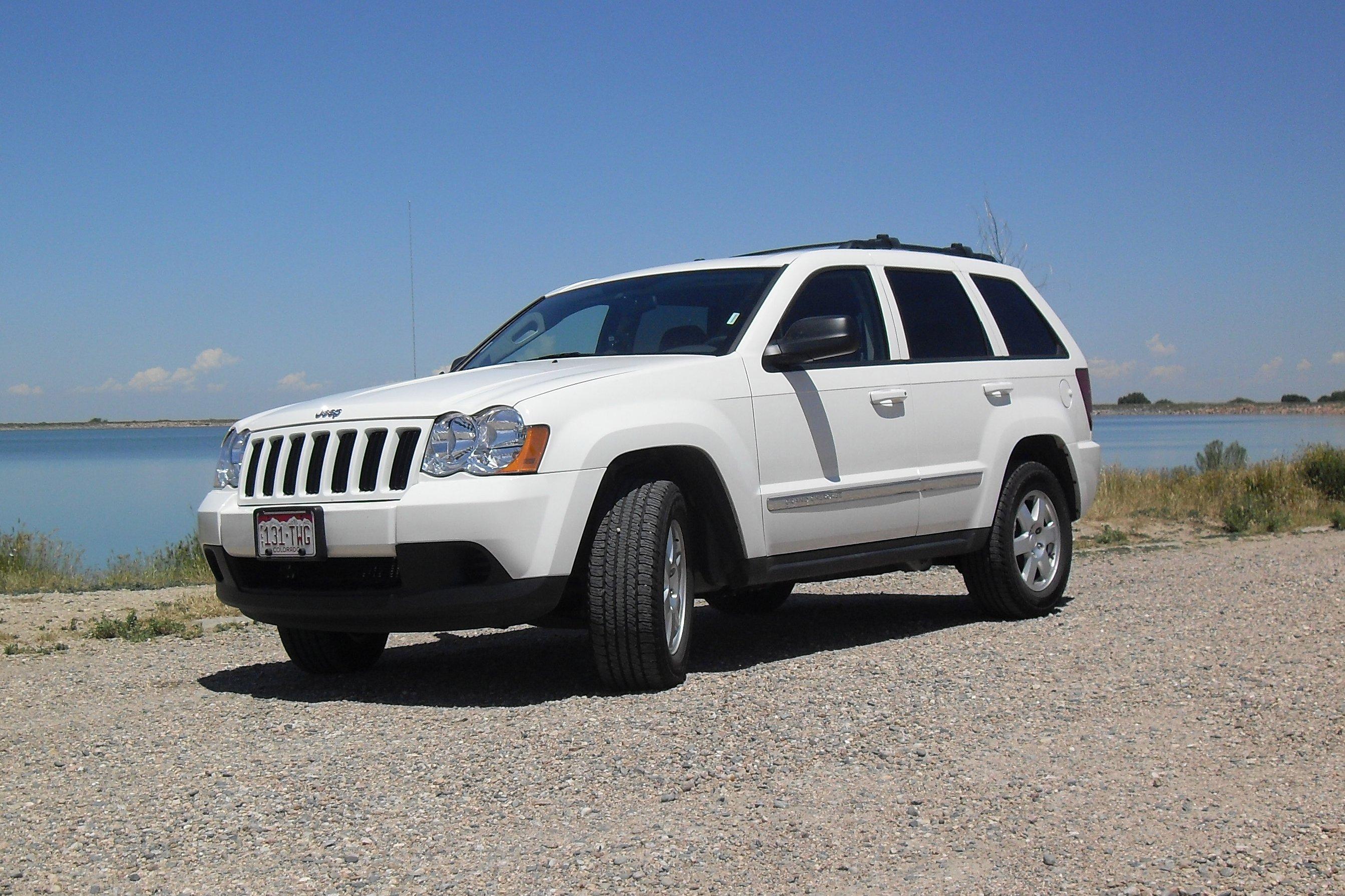 4X4 cherokee grand jeep laredo