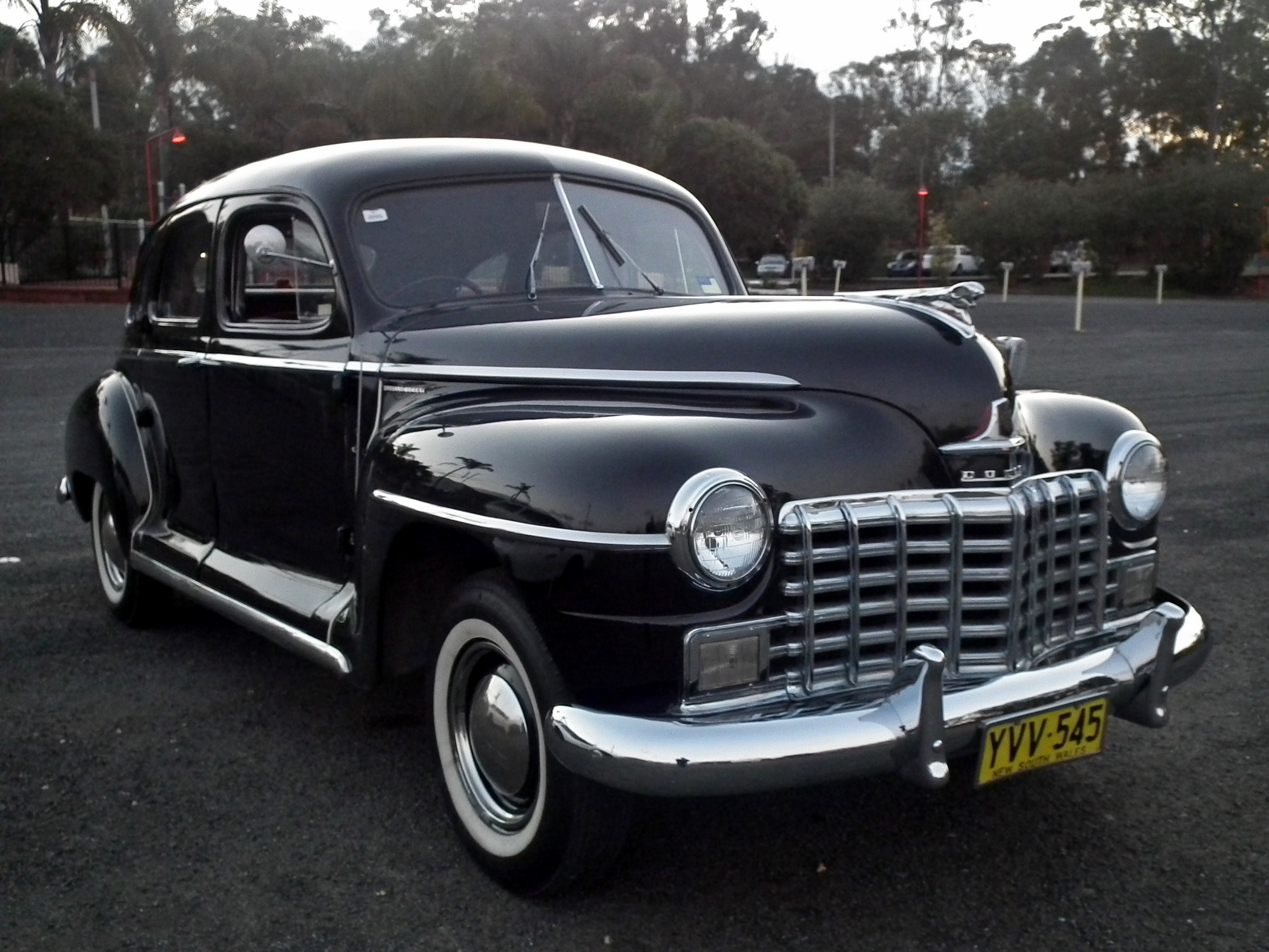 File 1948 Dodge D25 Special Deluxe Sedan 14986668373 Jpg