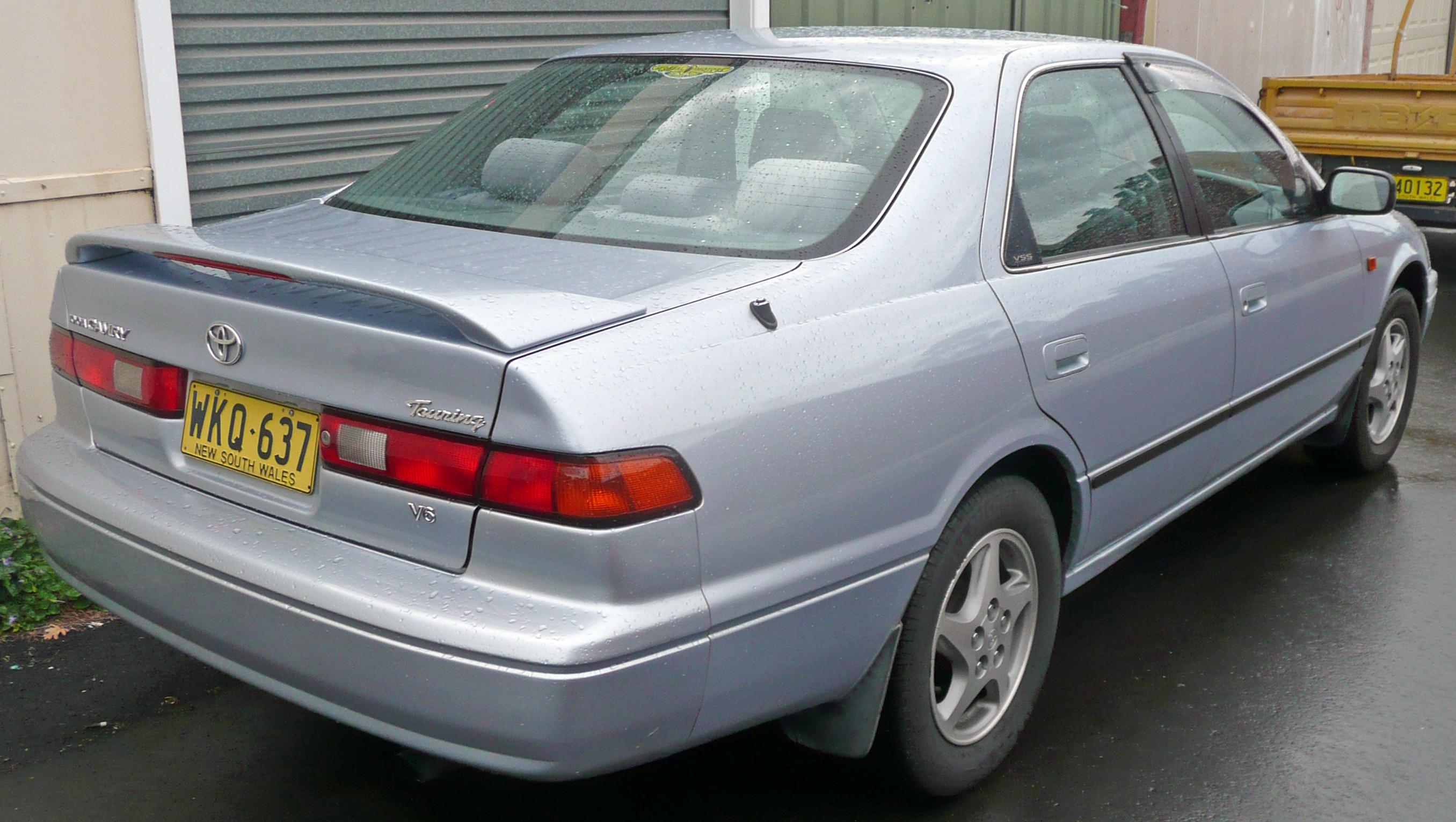 File:1999-2000 Toyota Camry (MCV20R) Touring sedan 02.jpg ...