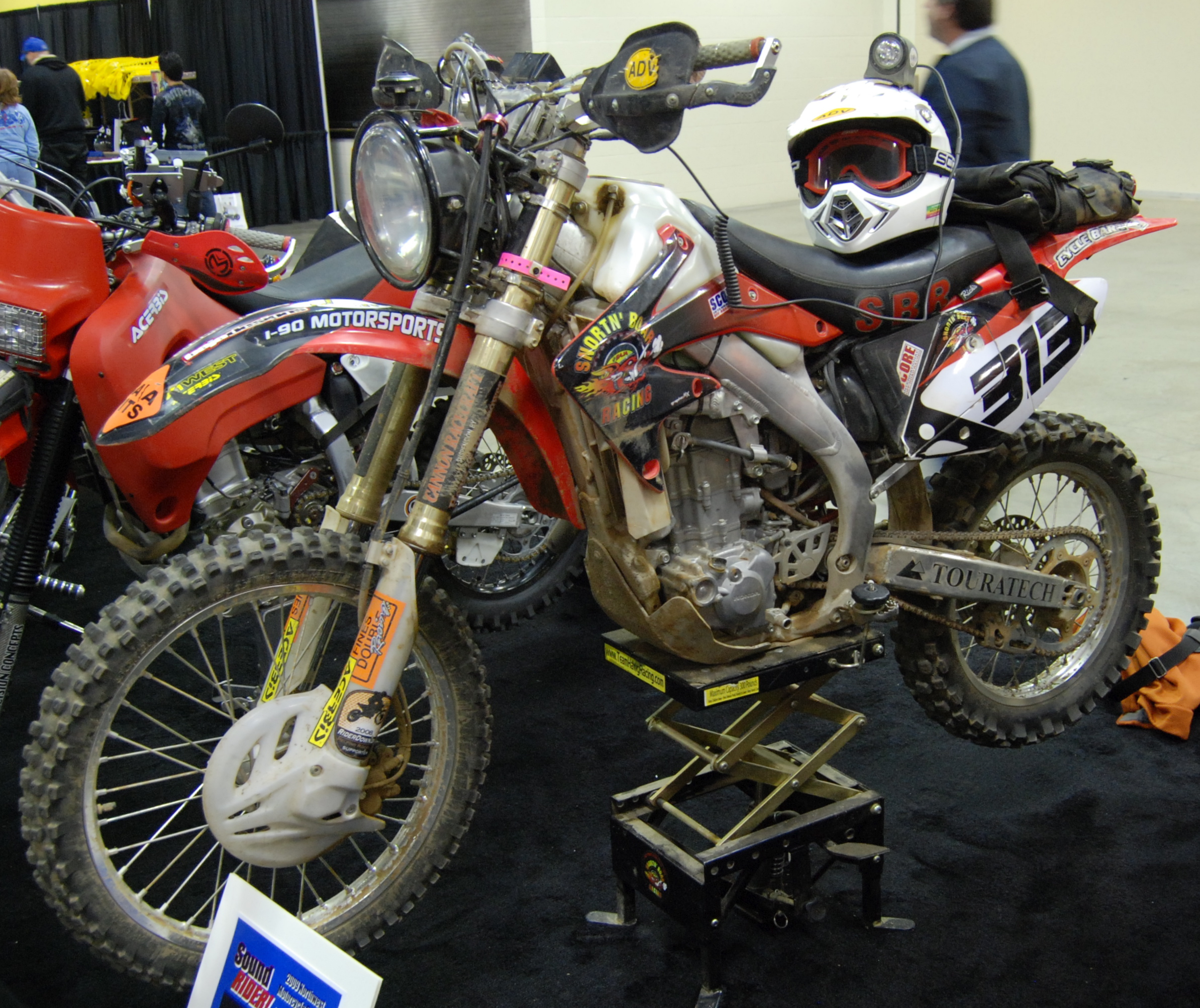 Honda Of Seattle >> File:2007 Honda CRF450X at the 2009 Seattle International Motorcycle Show 1.jpg - Wikimedia Commons