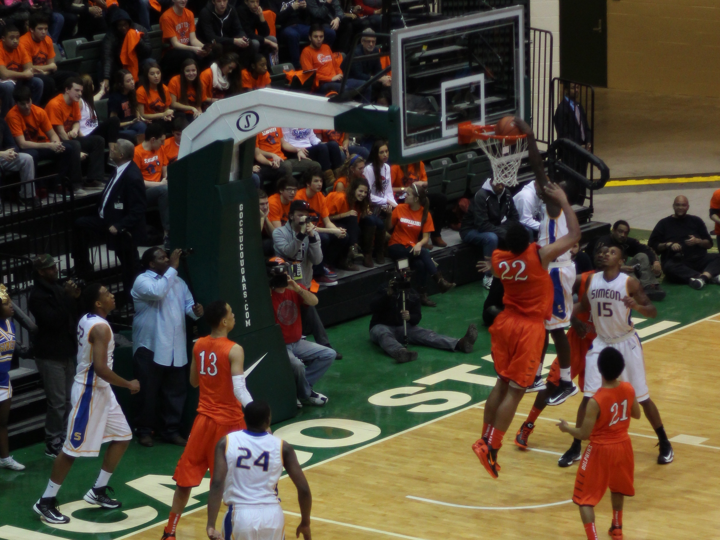 be9cc0c81 File 20130126 Kendrick Nunn dunks Jabari Parker inbounds alley oop pass  over Jahlil Okafor at Simeon-Whitney Young game (2).JPG