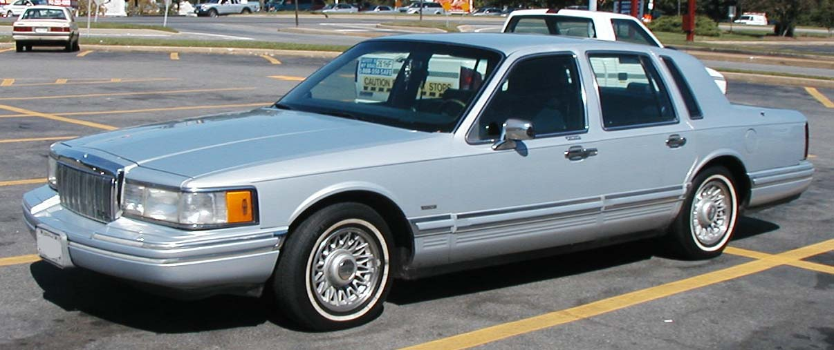 File 2nd Lincoln Town Car Jpg Wikimedia Commons