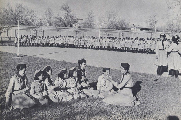 Afghan_Girl_Scouts_1950s