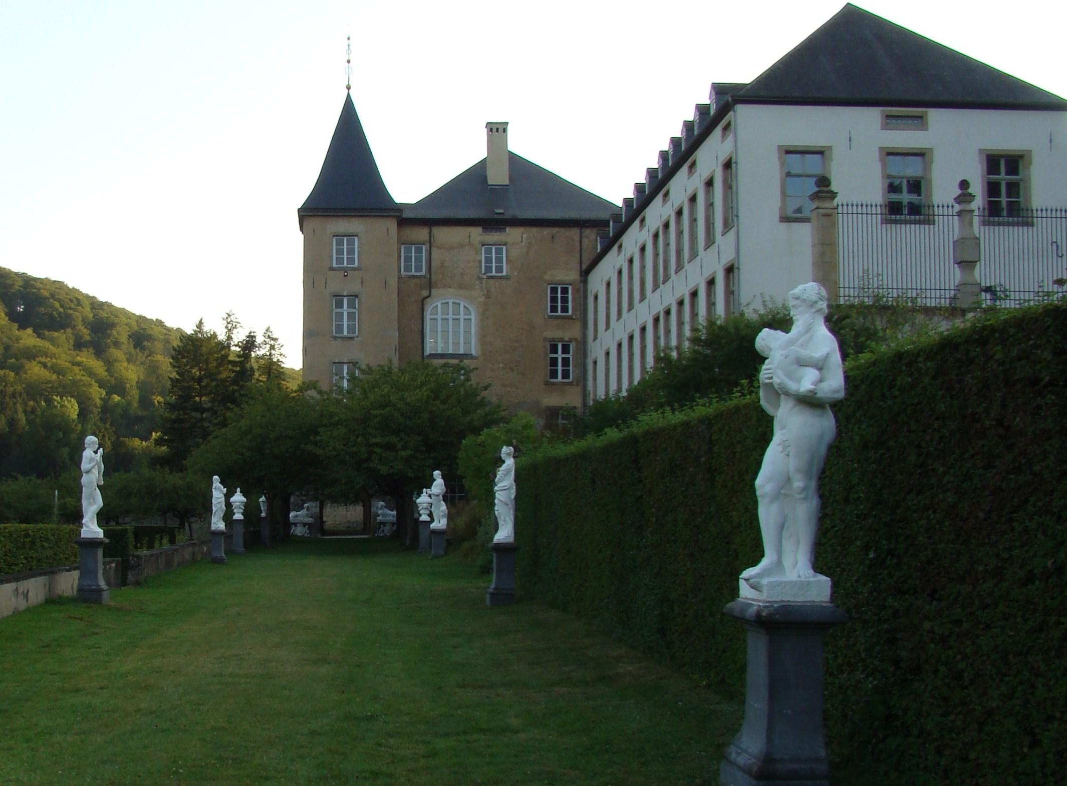 File Allée du jardin attenant au Nouveau ch¢teau d Ansembourg au
