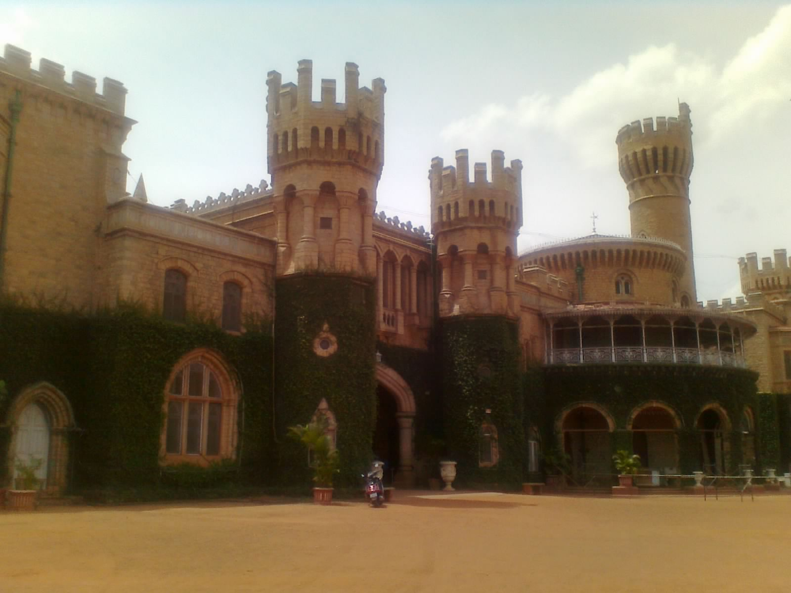 condition of bangalore palace Btis on mobile download the app to your phone  bangalore metropolitan transport corporation roads, traffic & transport.