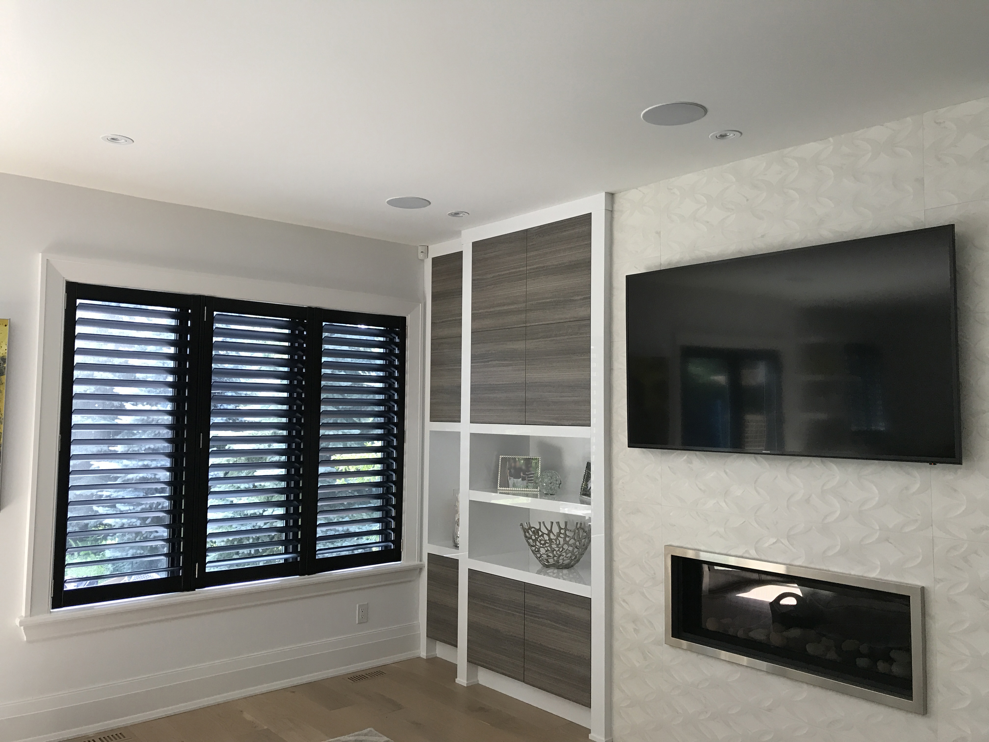 File Black Custom California Shutters Fitted To A Living