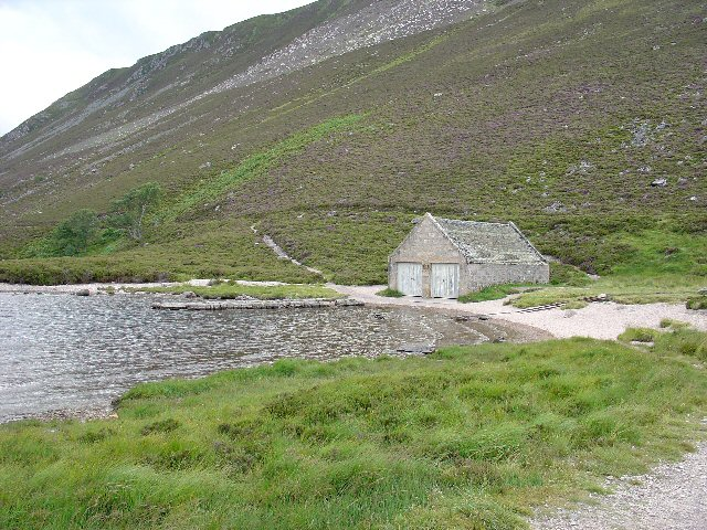 Boathouse, N end of Loch Muick - geograph.org.uk - 35854