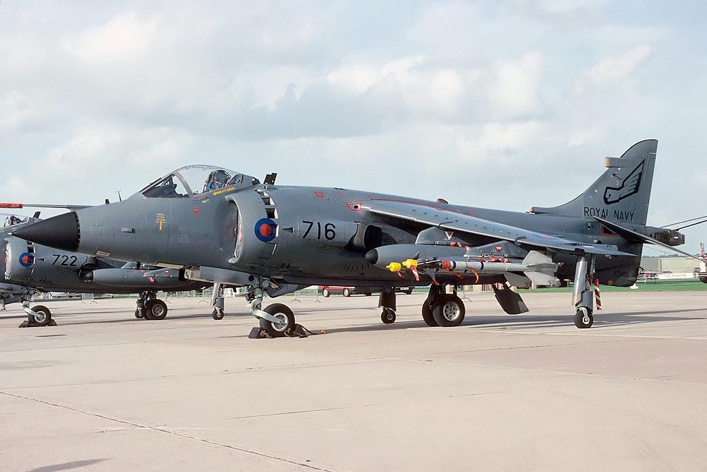 https://upload.wikimedia.org/wikipedia/commons/9/97/British_Aerospace_Sea_Harrier_FRS1%2C_UK_-_Navy_AN2128424.jpg