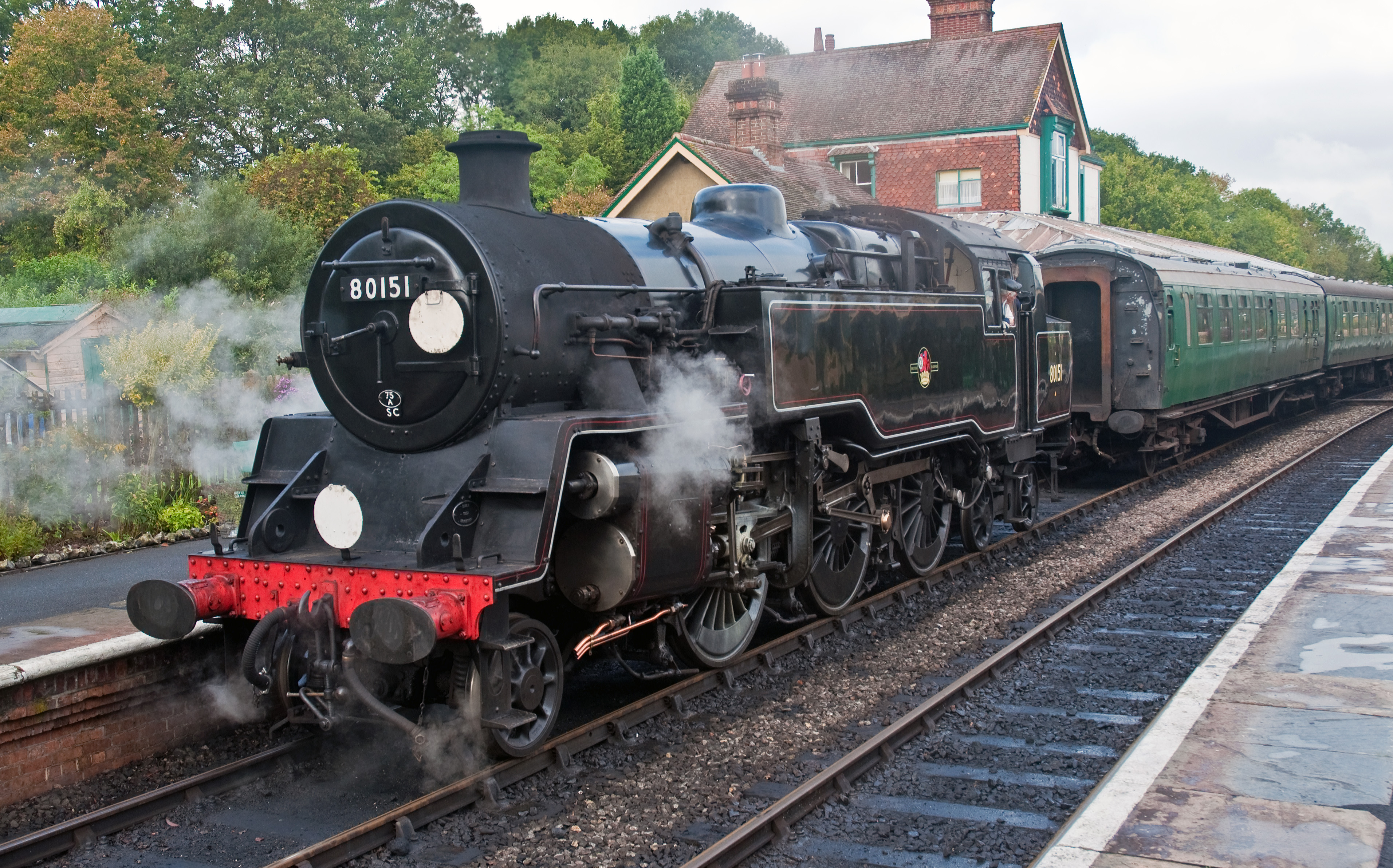 File:British Railways Class 4 Tank (1957) Bluebell Railway ... Railway