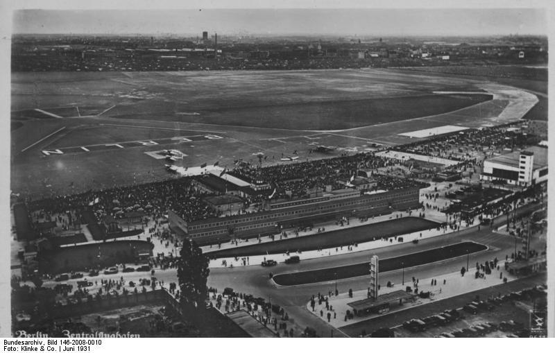 Bundesarchiv Bild 146-2008-0010, Berlin, Zentralflughafen, Luftaufnahme