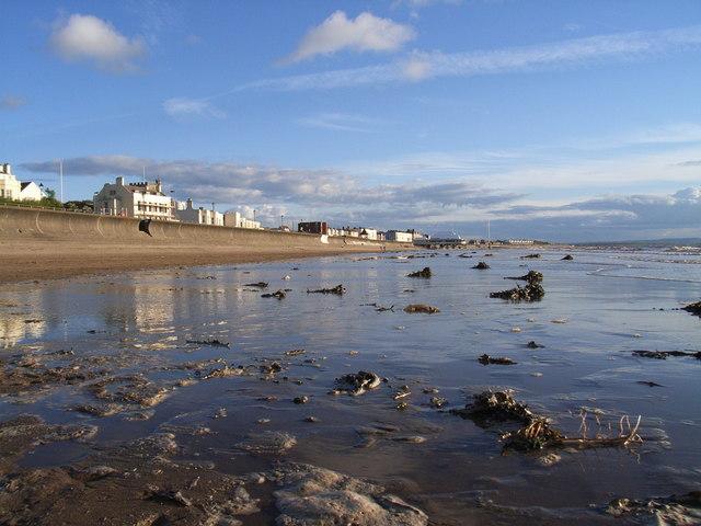 Burnham on sea beach, looking south - geograph.org.uk - 286436