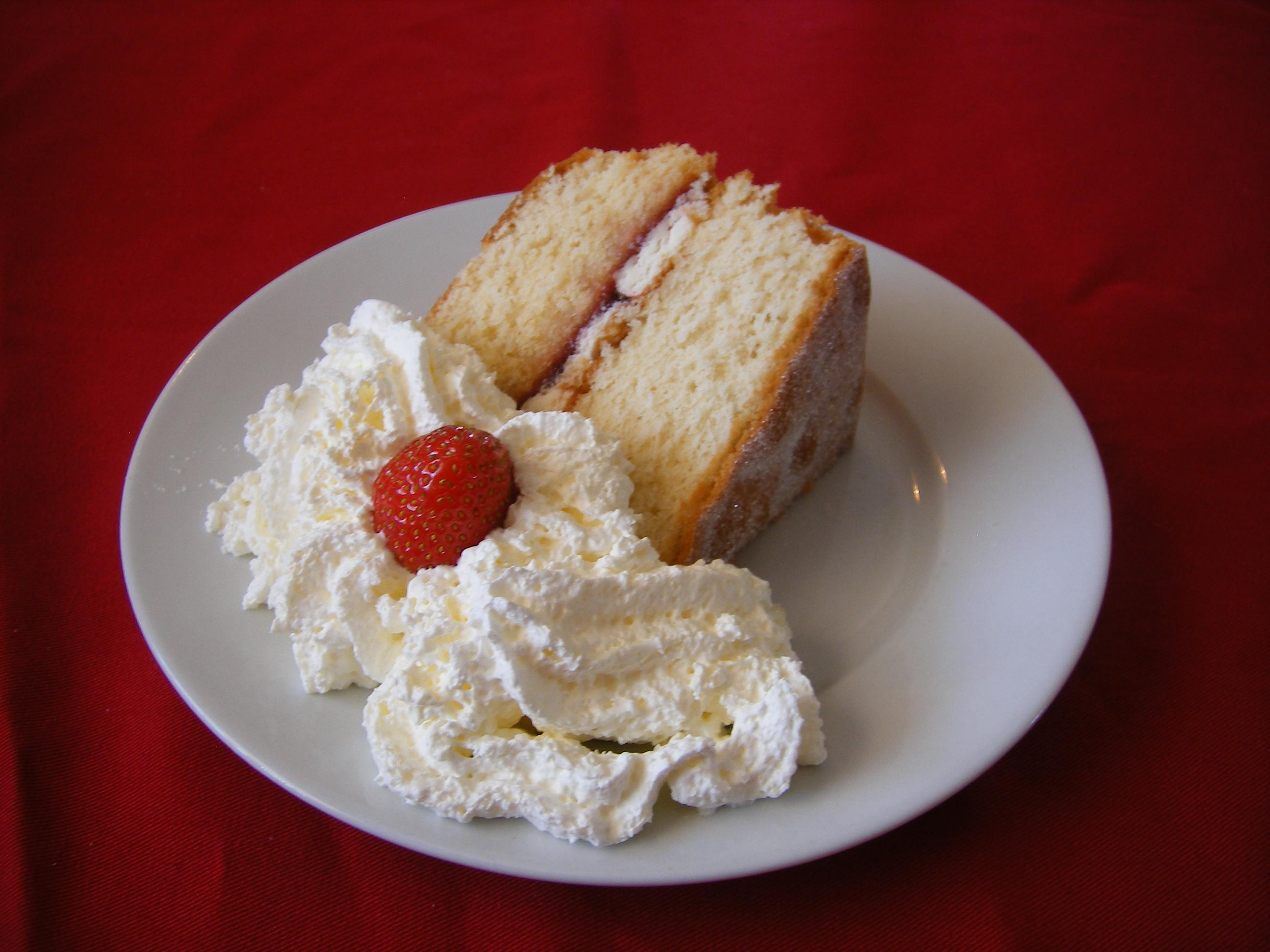Recette Sponge Cake Et Creme P Ef Bf Bdtissi Ef Bf Bdre